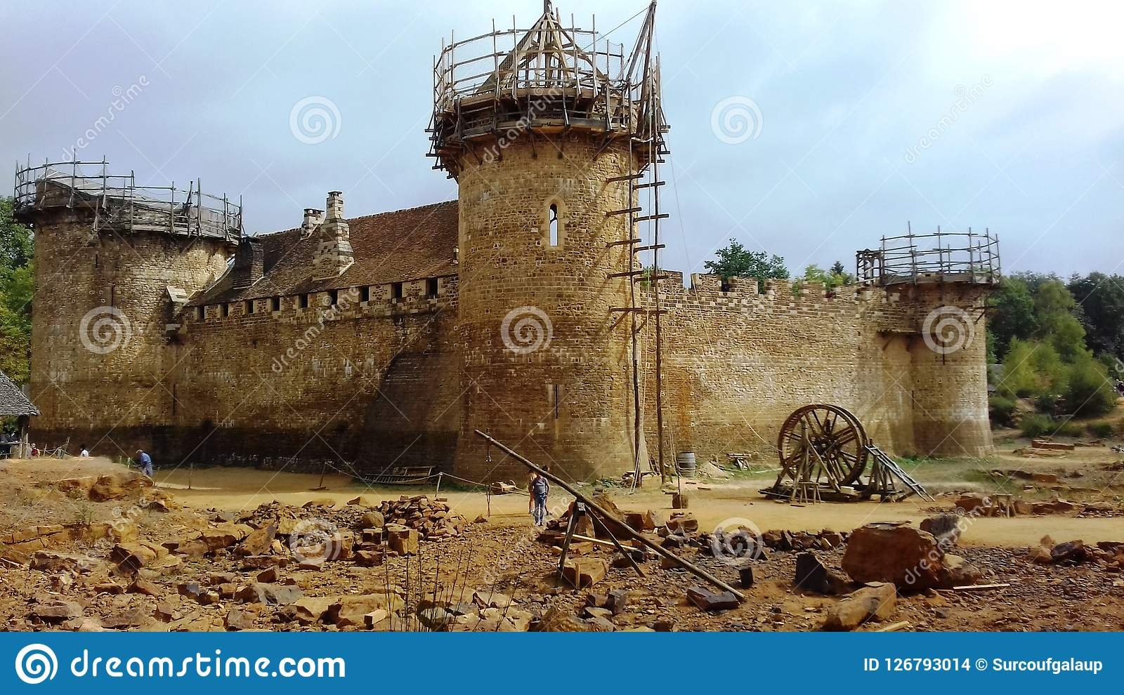 Medieval Building Site Of A Castle In Guédelon Stock Photo
