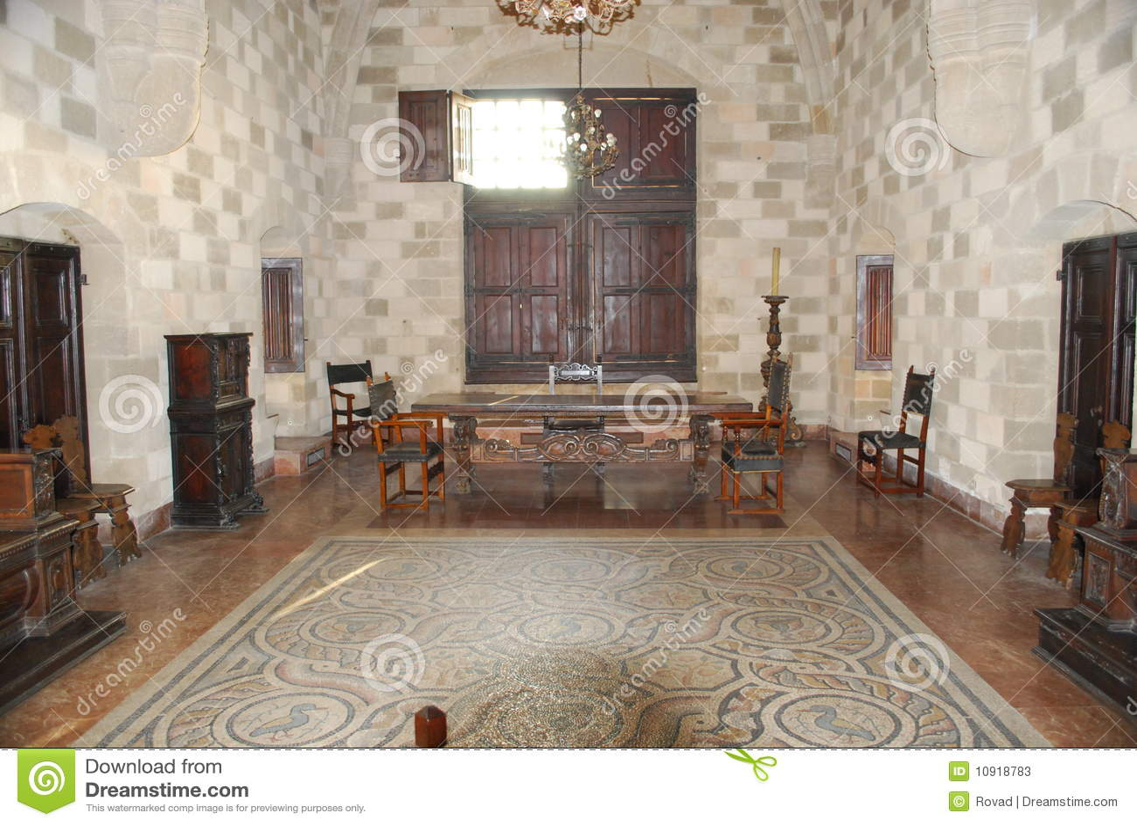 Medieval castle inside stock photos image 10918783 for Binnen interieur
