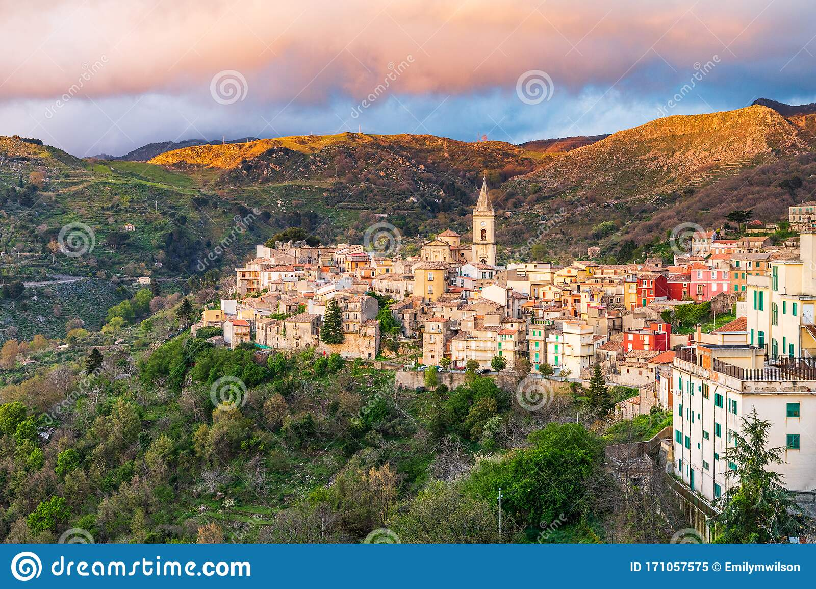 The Medieval Hill Town Of Francavilla Di Sicilia At Sunset Editorial Image Image Of Italian Sicily 171057575