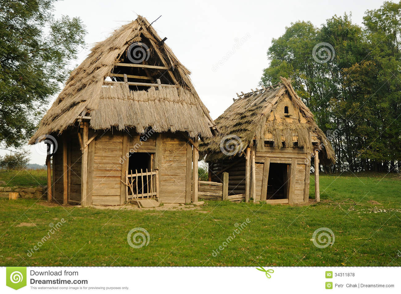 Medieval house with cowshed stock photo image 34311878 for Piani di casa medievale