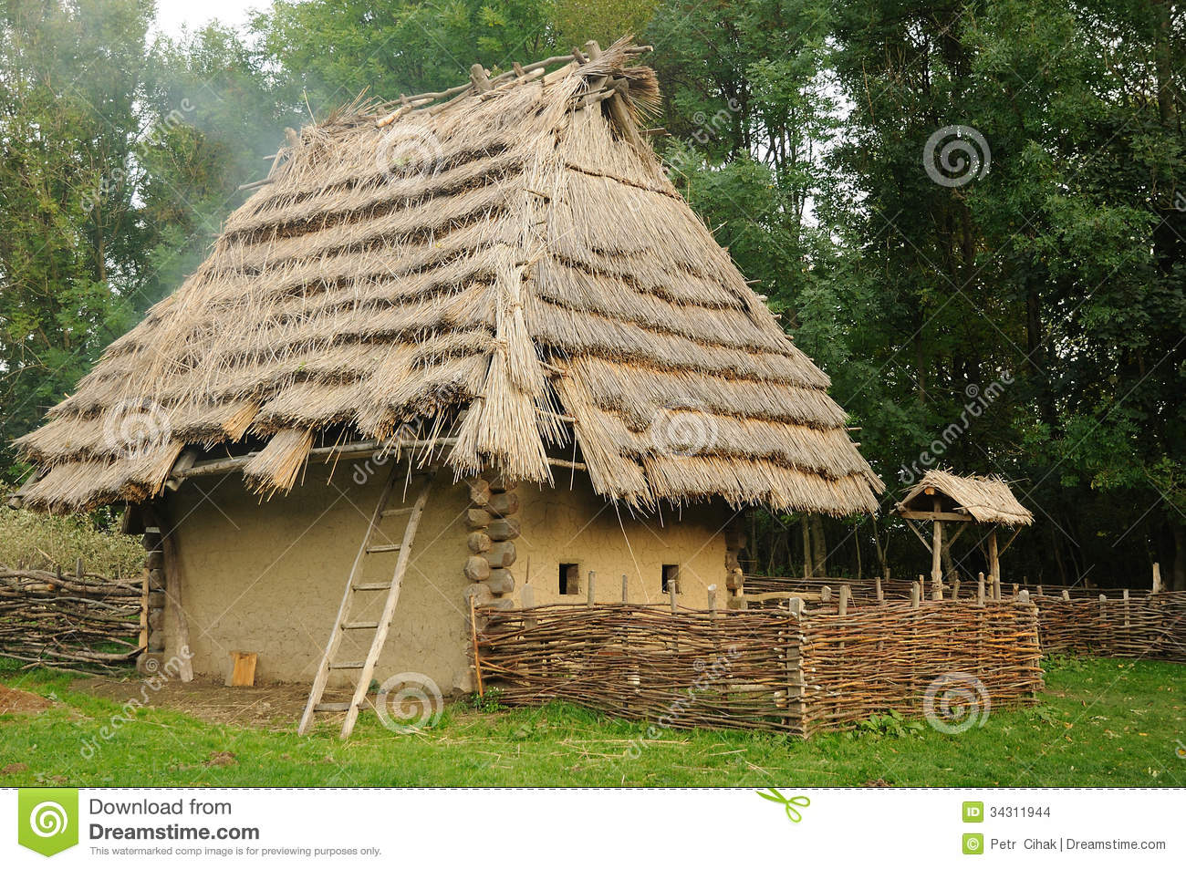 Medieval House With Straw Roof Stock Photo Image 34311944