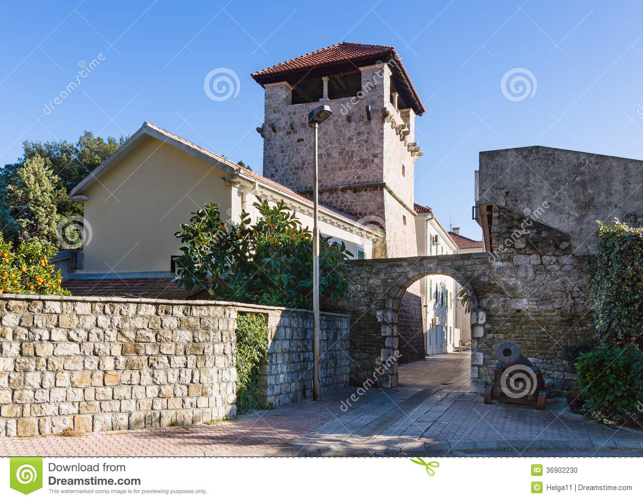Medieval summer house of the buca family tivat for Fortified home plans