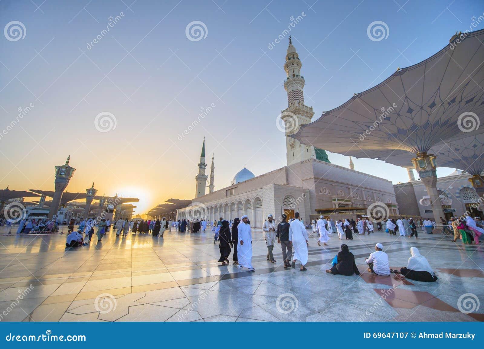 medina saudi arabia ksa march 21 sunset at nabawi mosque