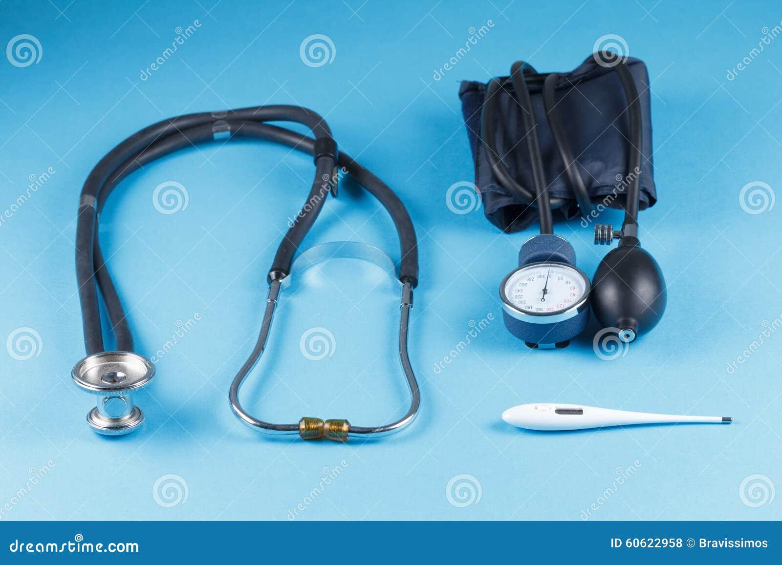 Medische apparatenstethoscoop, tonometer, en thermometer