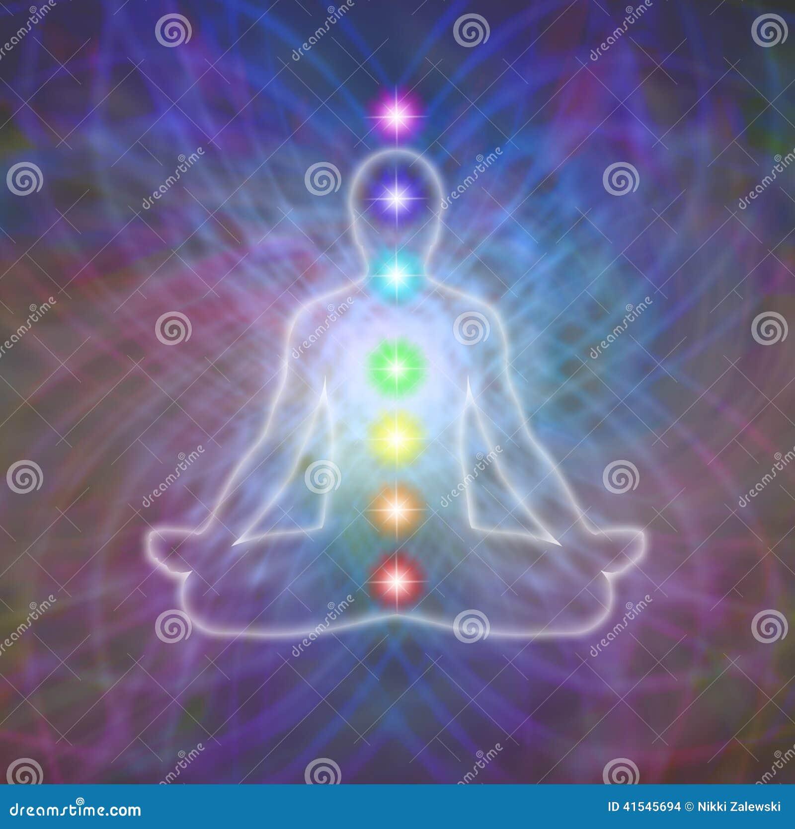 Meditación de Chakra en campo de la energía de la matriz