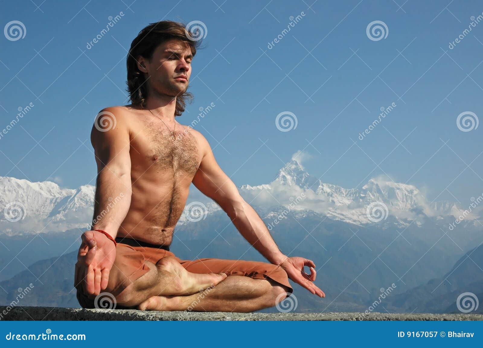 Meditatie in Himalayagebergte