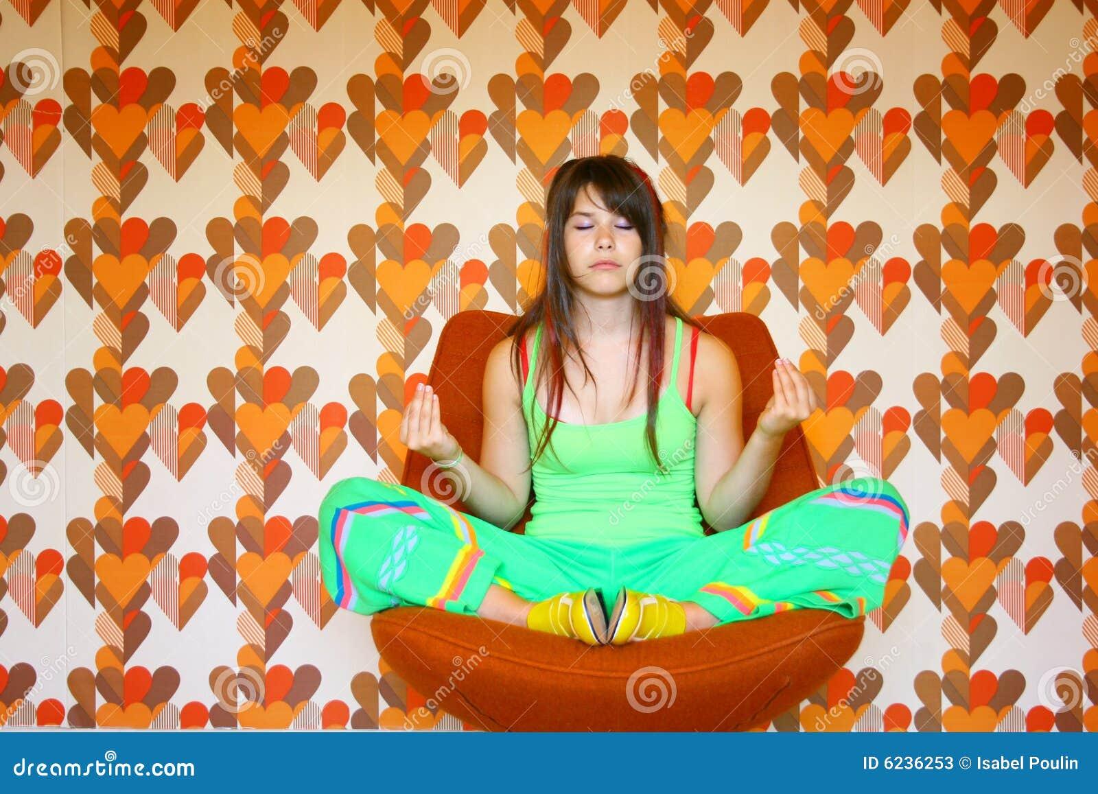 Meditating подросток