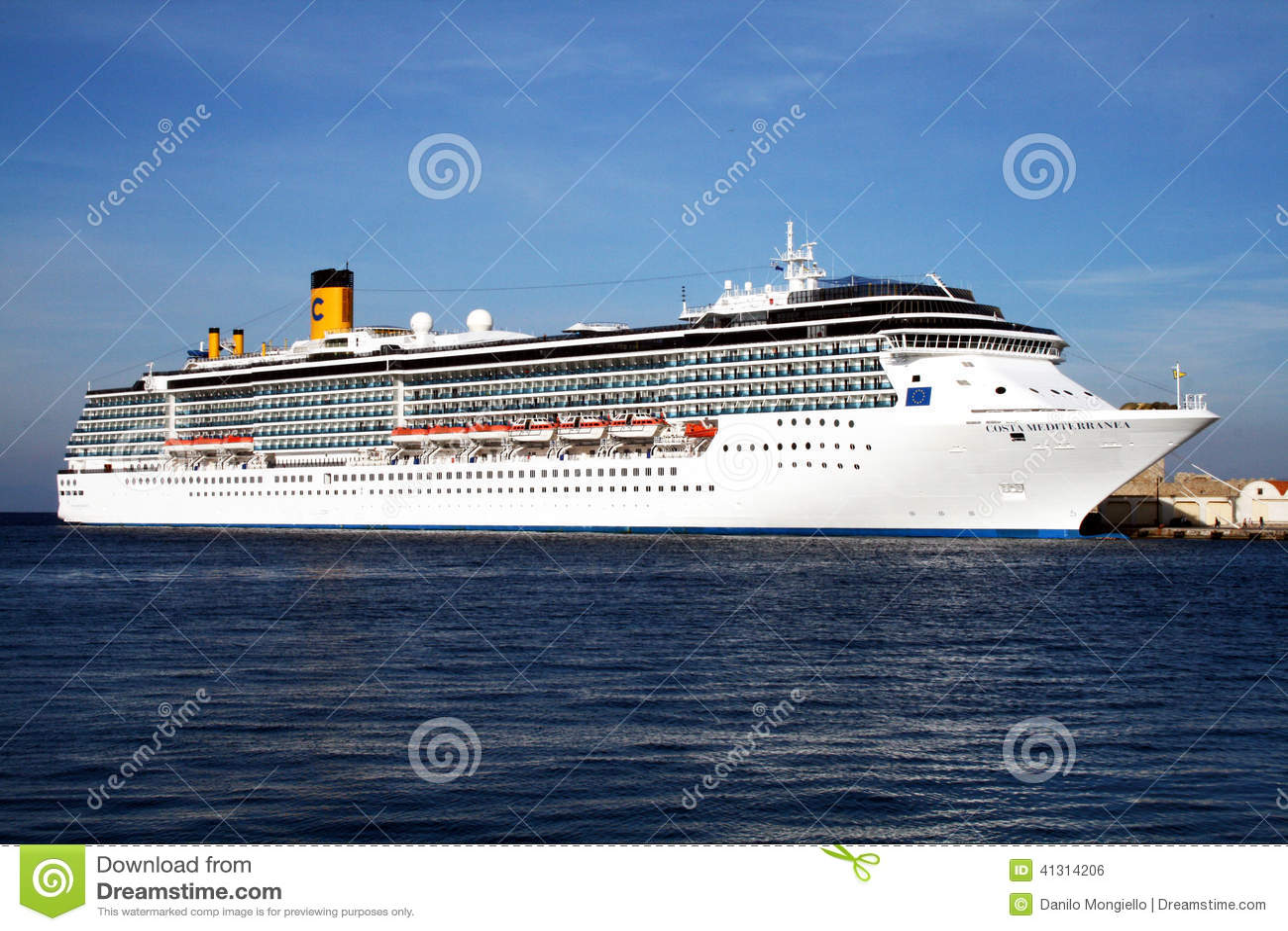Mediterranea de la costa foto editorial imagen de europa 41314206 - La mediterranea ...