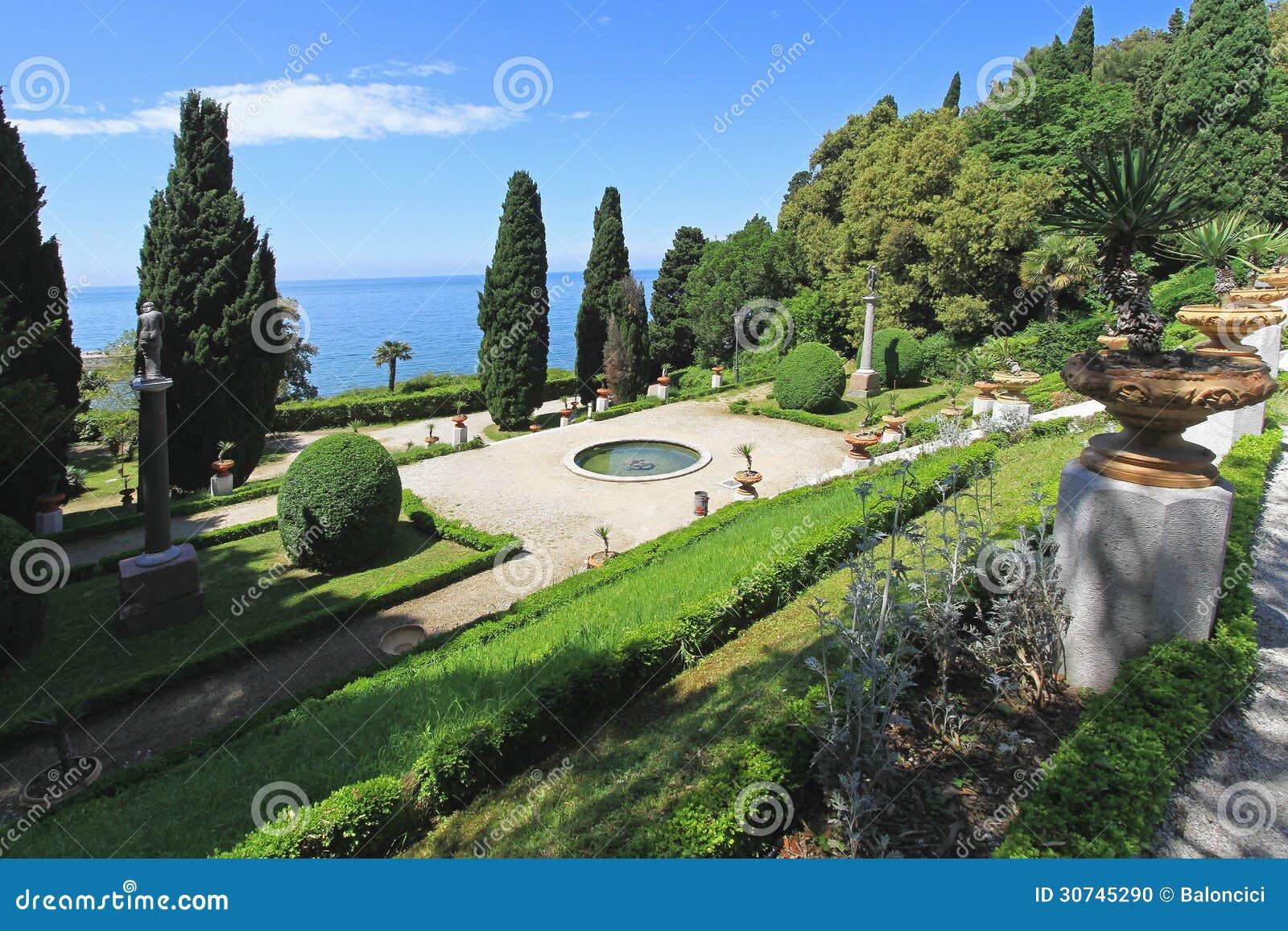 Alison S Gardens Mediterranean Garden: Mediterranean Gardens Stock Photo