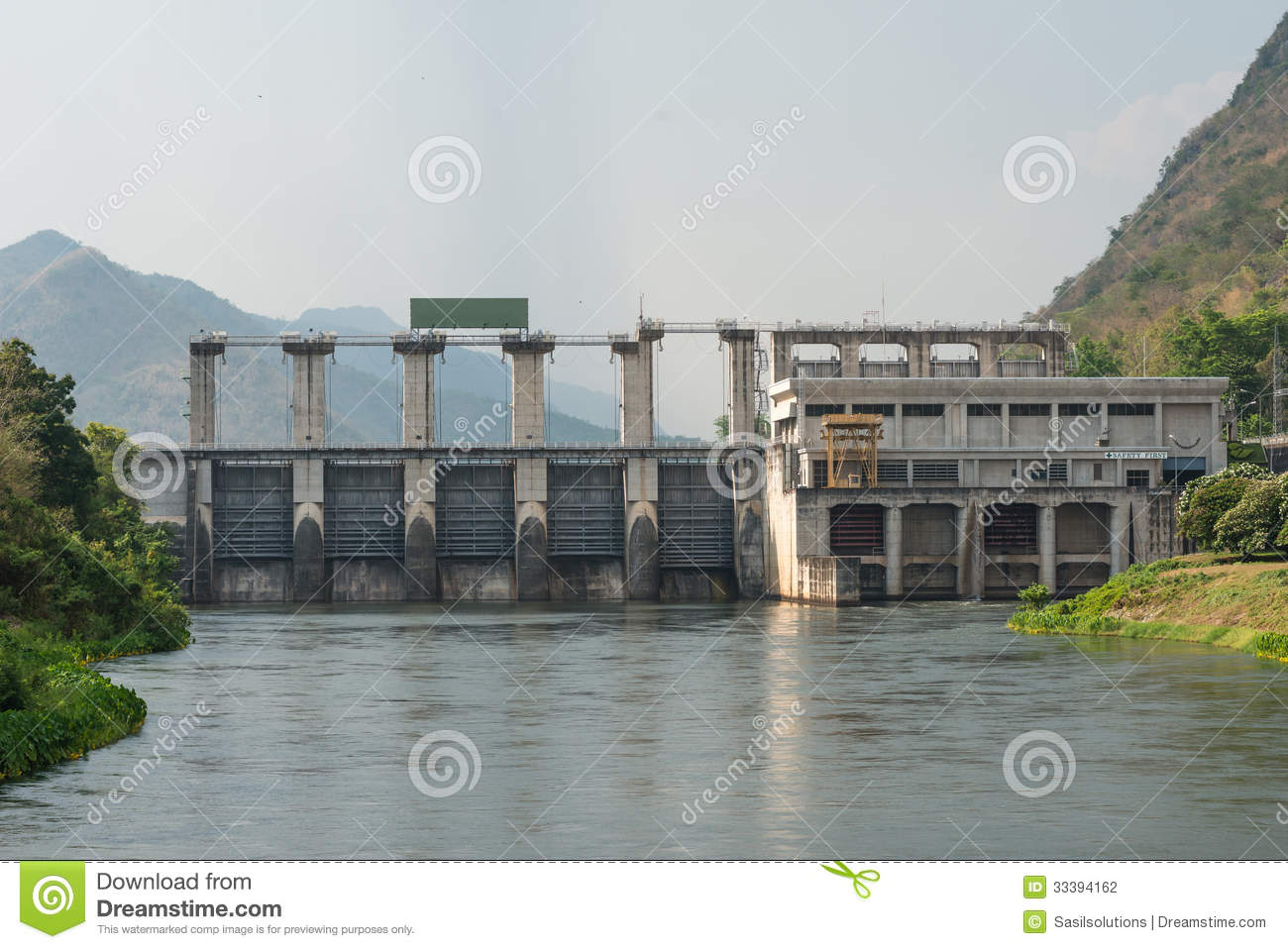 Medium Size Dam With Metal Water Gate In Thailand Stock