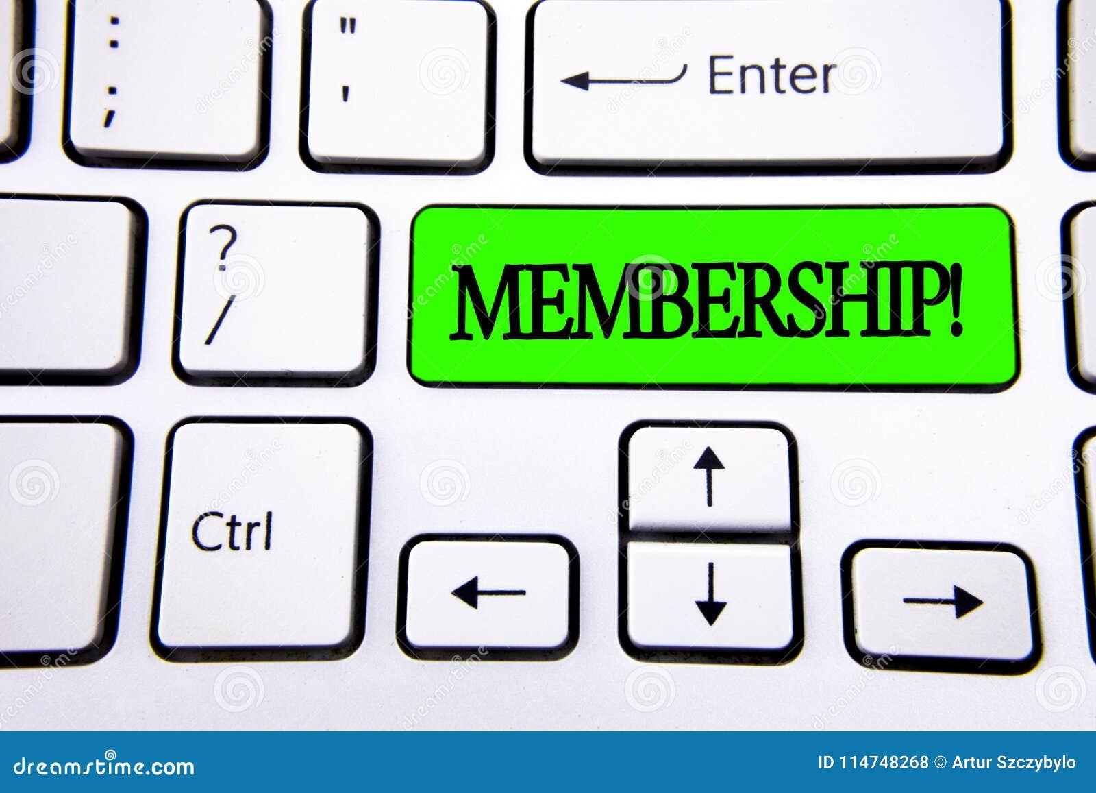 Medlemskap för ordhandstiltext Affärsidéen för att vara medlemdelen av en grupp eller laget sammanfogar organisationsföretaget so