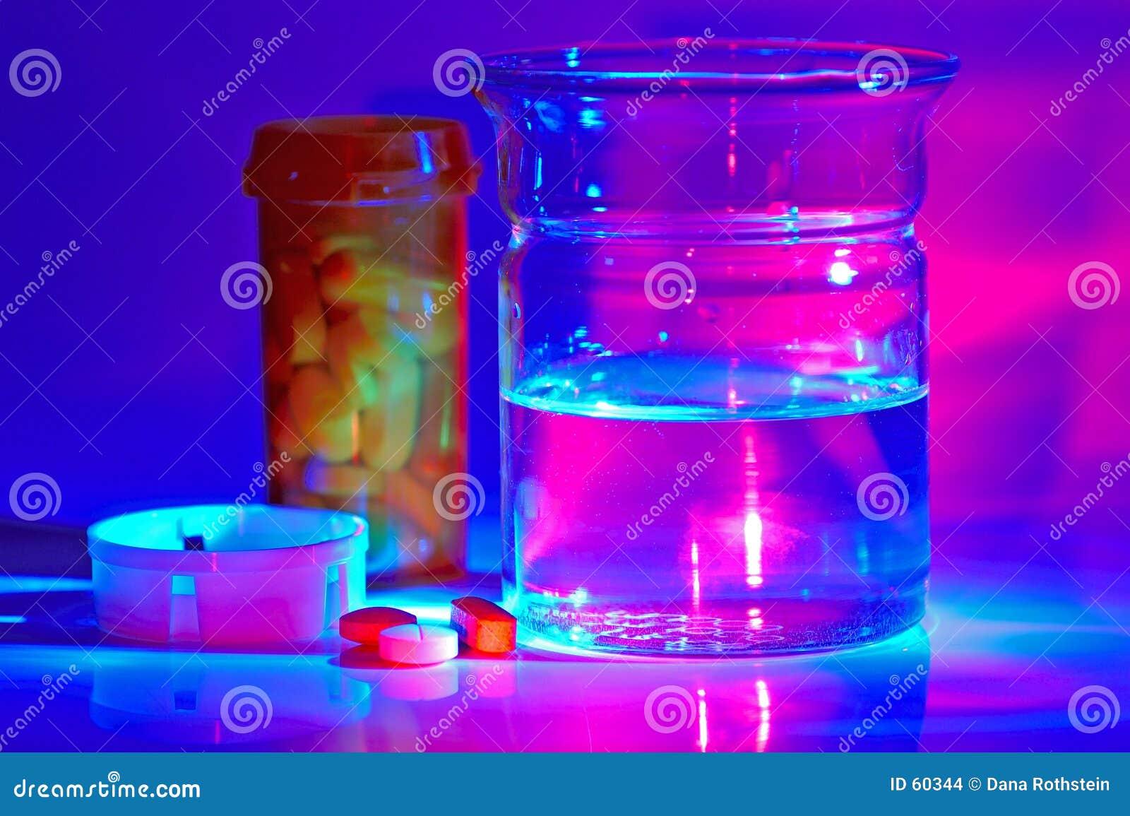 Download Meds photo stock. Image du headache, science, pourpré, rose - 60344