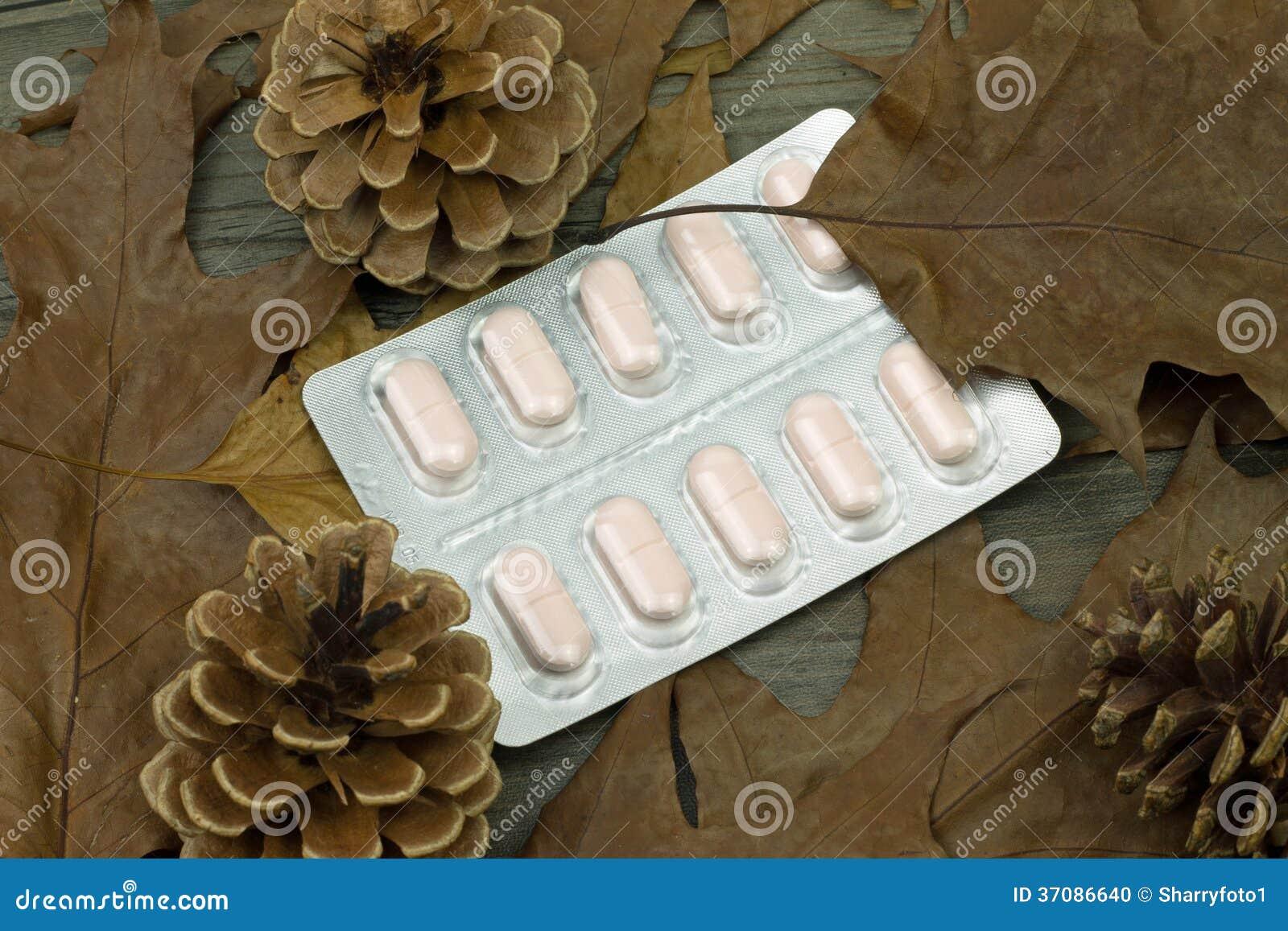 Download Medycyn pigułki zdjęcie stock. Obraz złożonej z medicament - 37086640