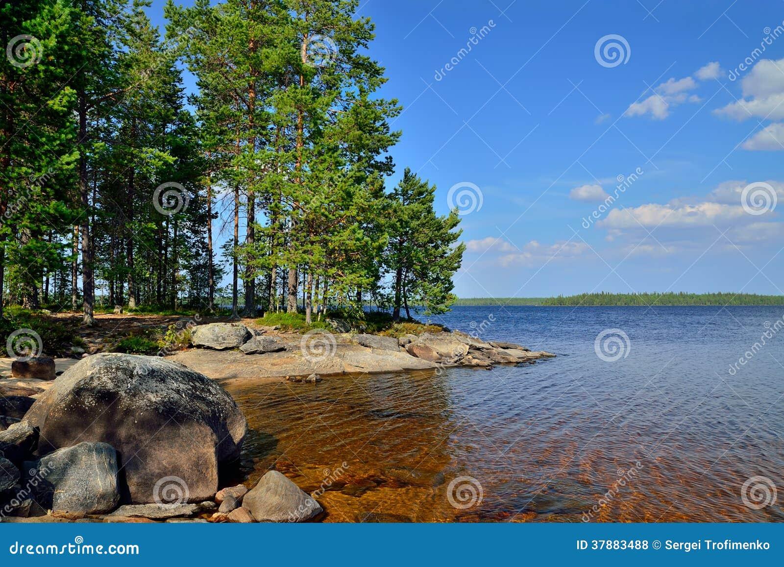 Meer Engozero. Noord-Karelië, Rusland