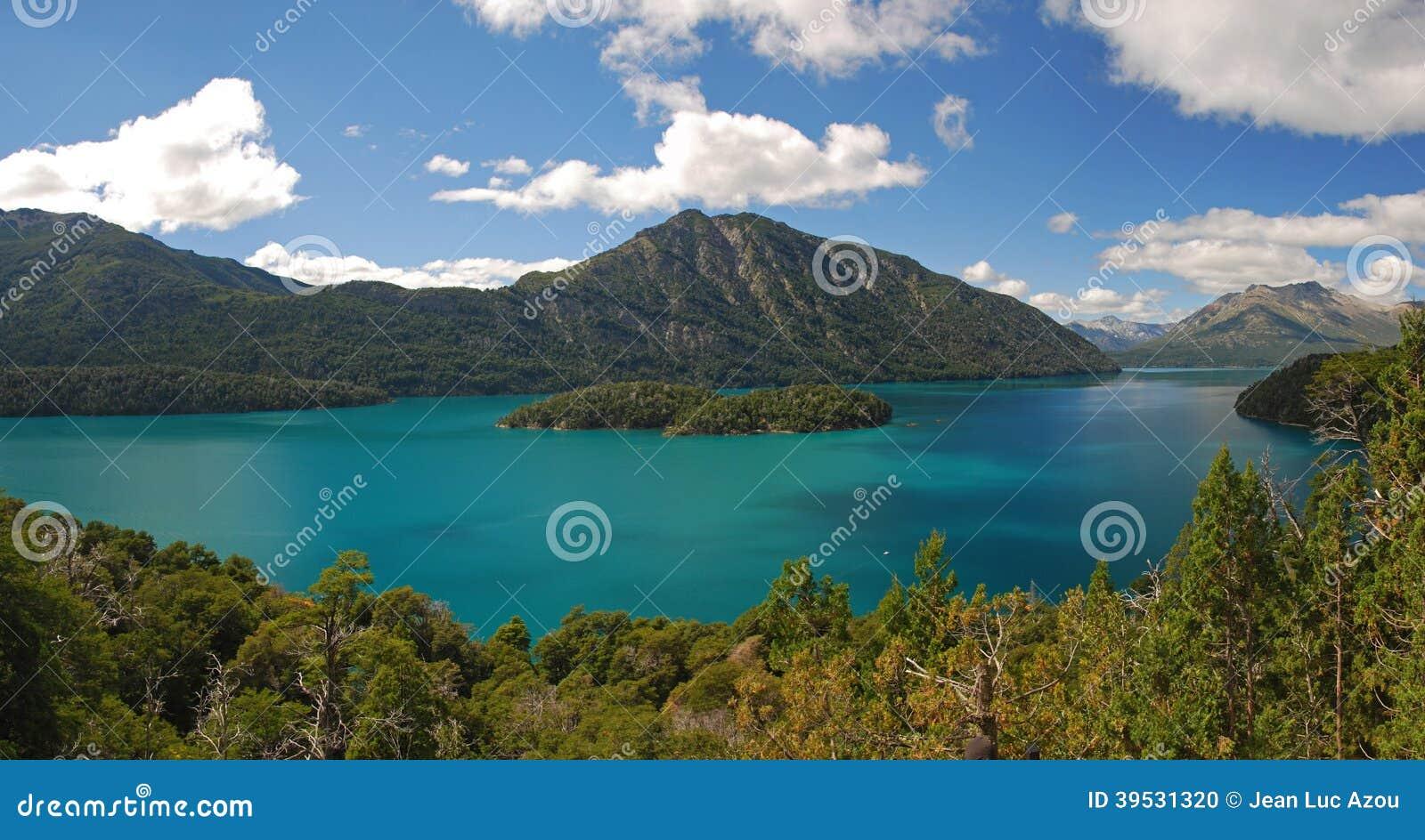 Meer Mascardi dichtbij Bariloche, Argentinië