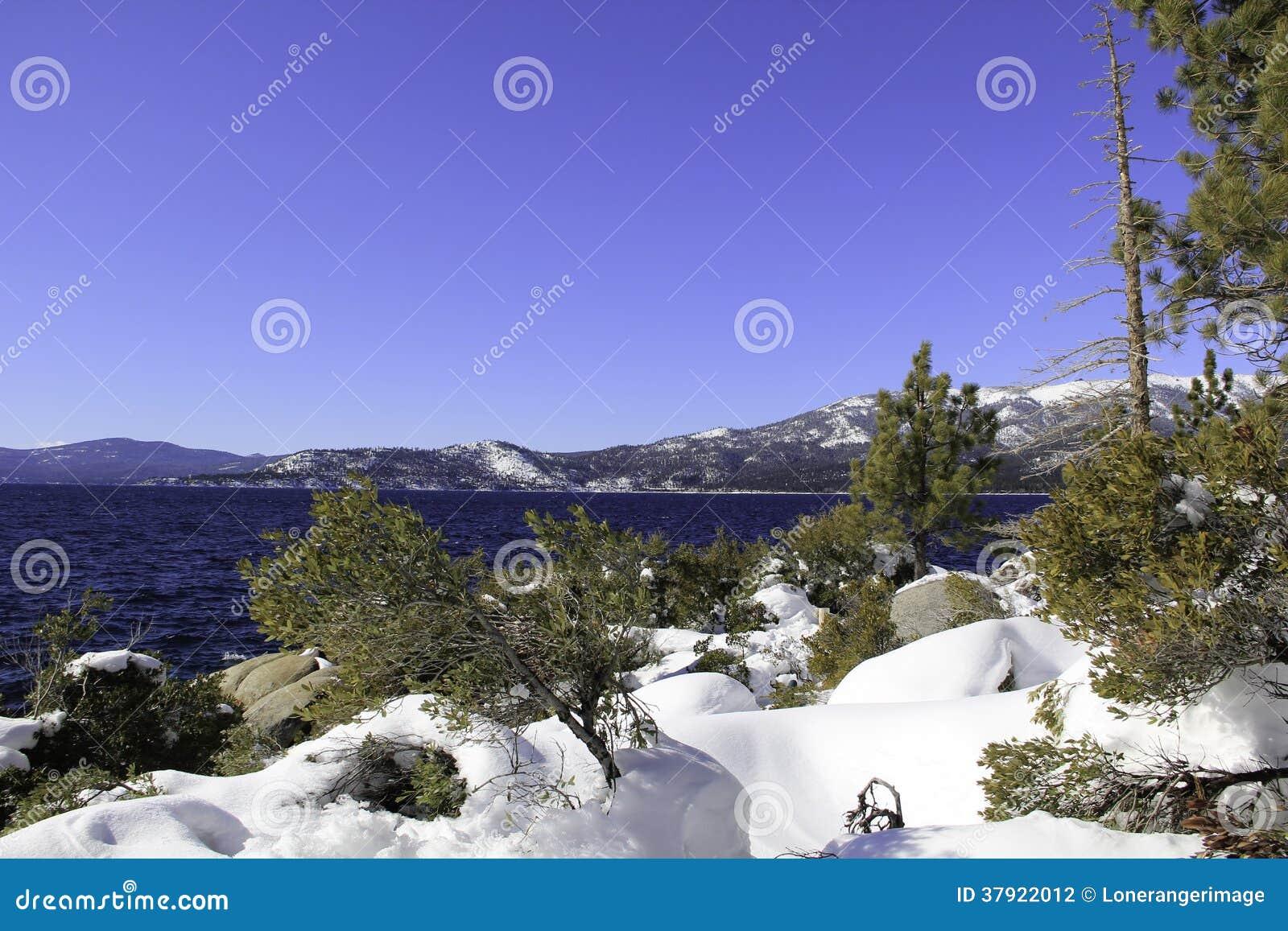 Meer Tahoe - Meer met Sneeuw