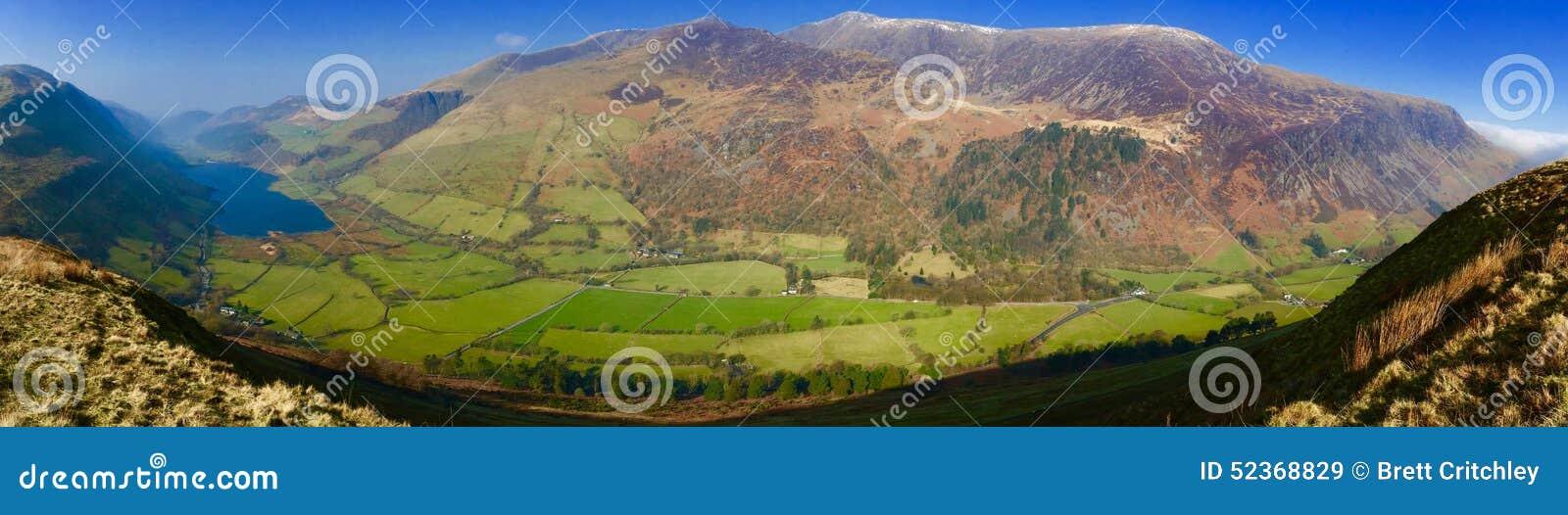 Meer tal-y-Lynn en bergen Snowdonia