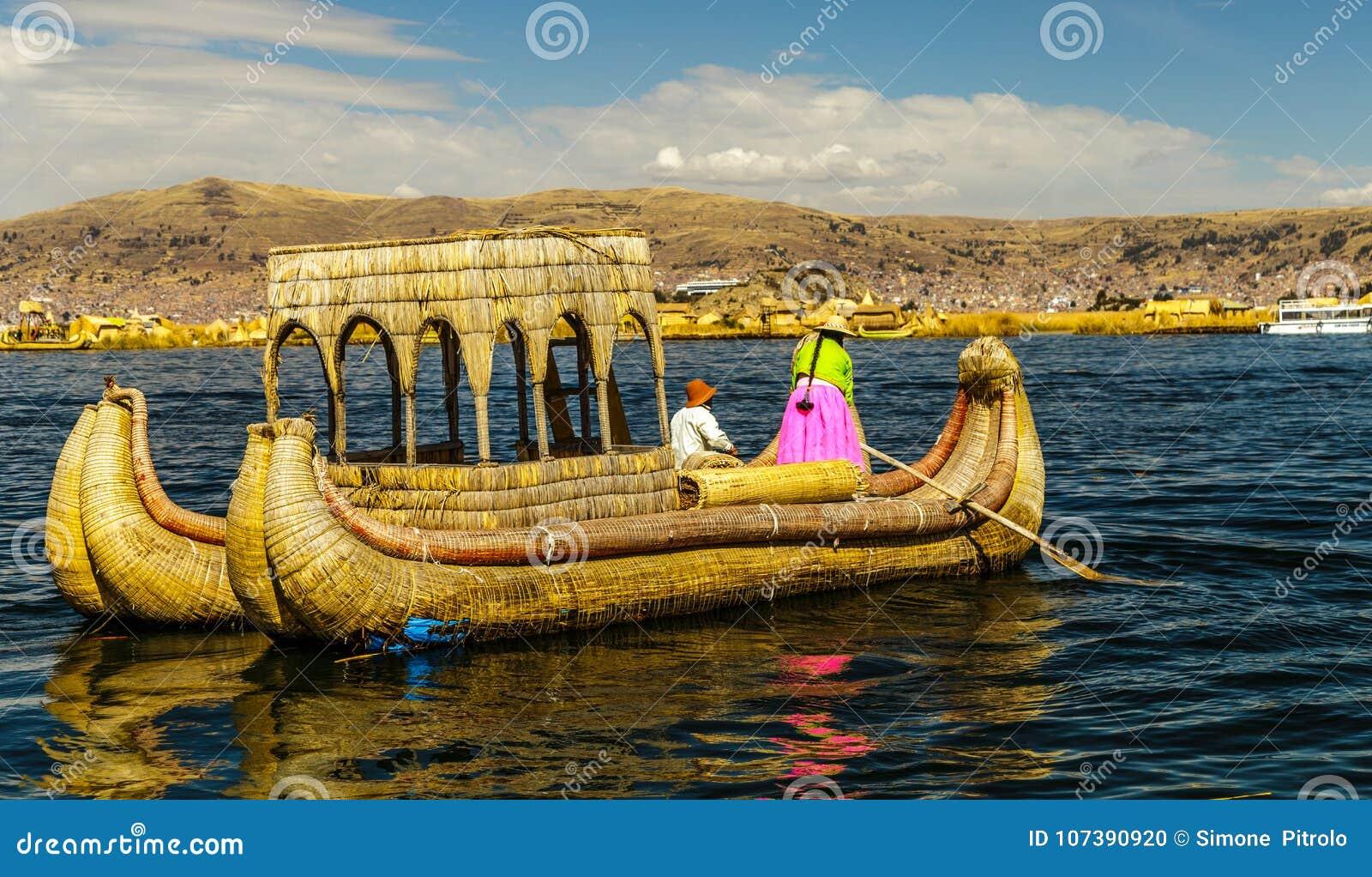 Meer Titicaca, Uros-eiland, bamboeboot
