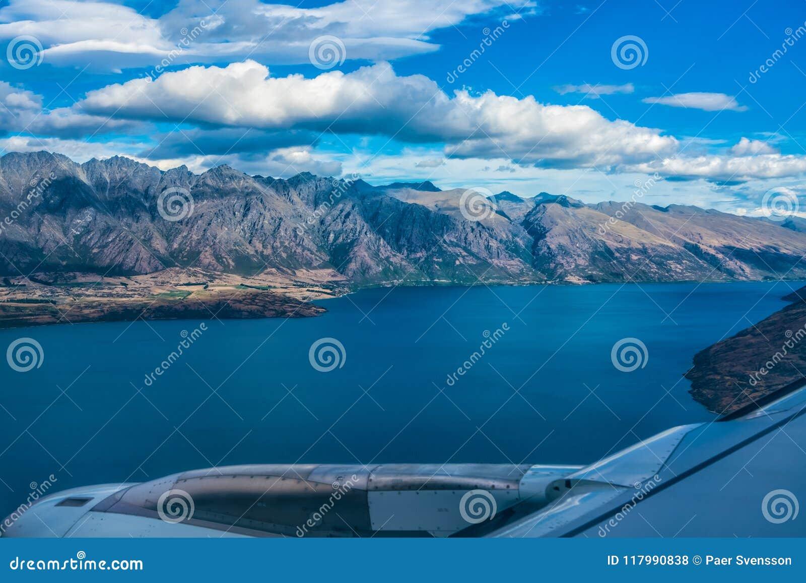 Meer Wakatipu, Nieuw Zeeland - Januari 16, 2018: Op Definitieve Benadering