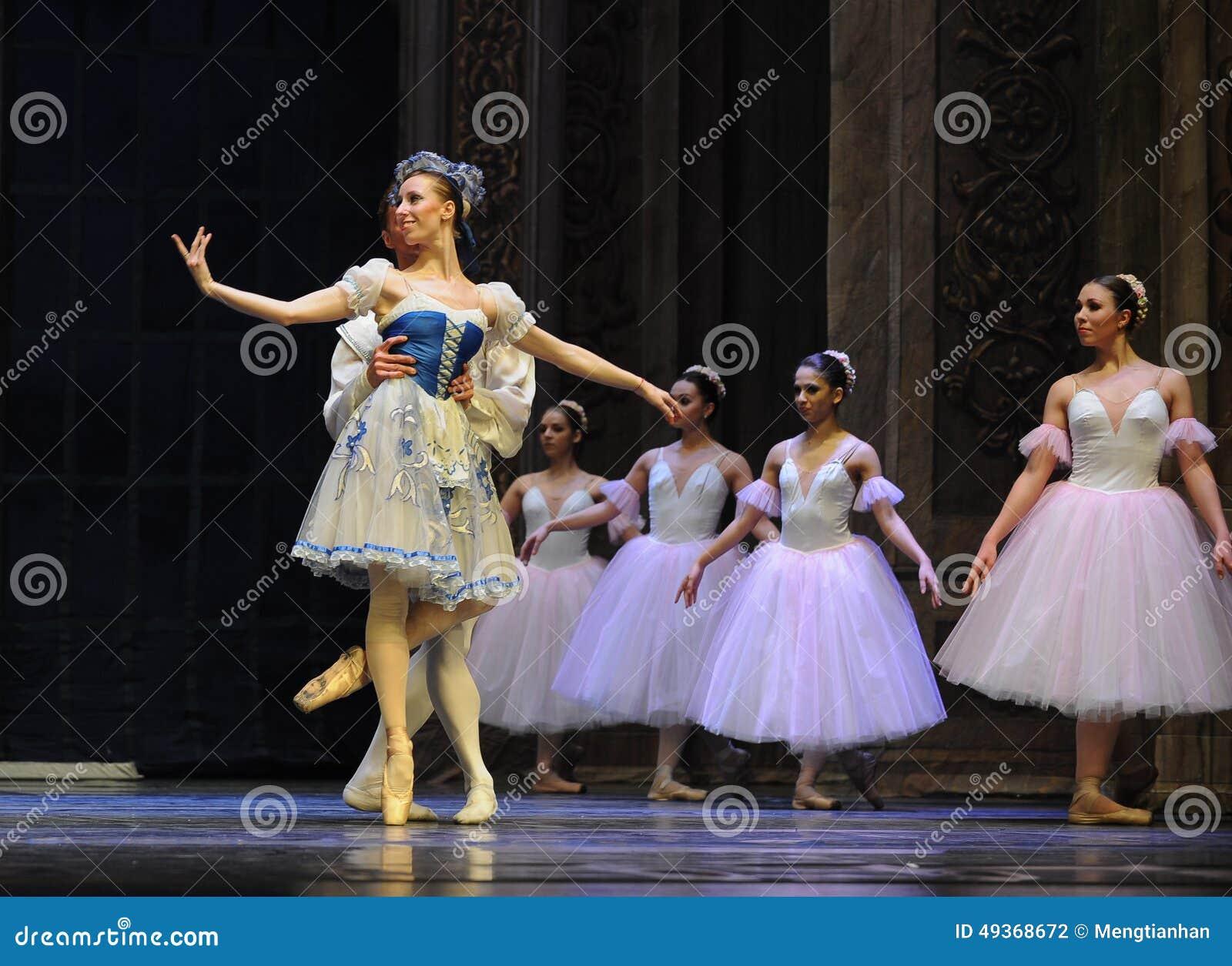 Meespelend gordijnvraag - de Balletnotekraker