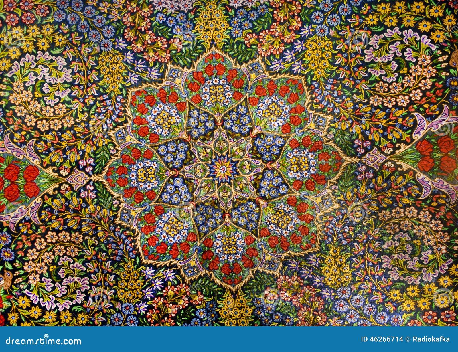 Meesterwerkontwerp van oosters perzisch tapijt met tuin van kleurrijke bloemen stock foto - Oosters stof ...