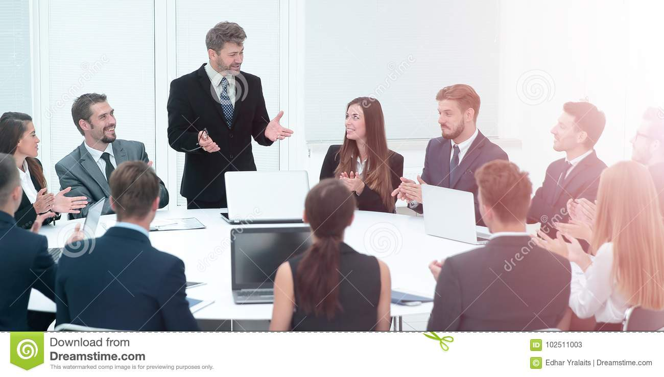 Cool Business Group Greets Leader With Clapping And Smiling Stock Interior Design Ideas Ghosoteloinfo