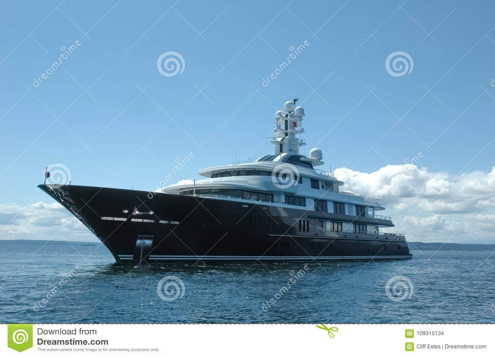 Mega Yacht At Slow Speed In Seattle Stock Photo Image Of Boat Mega 109315134