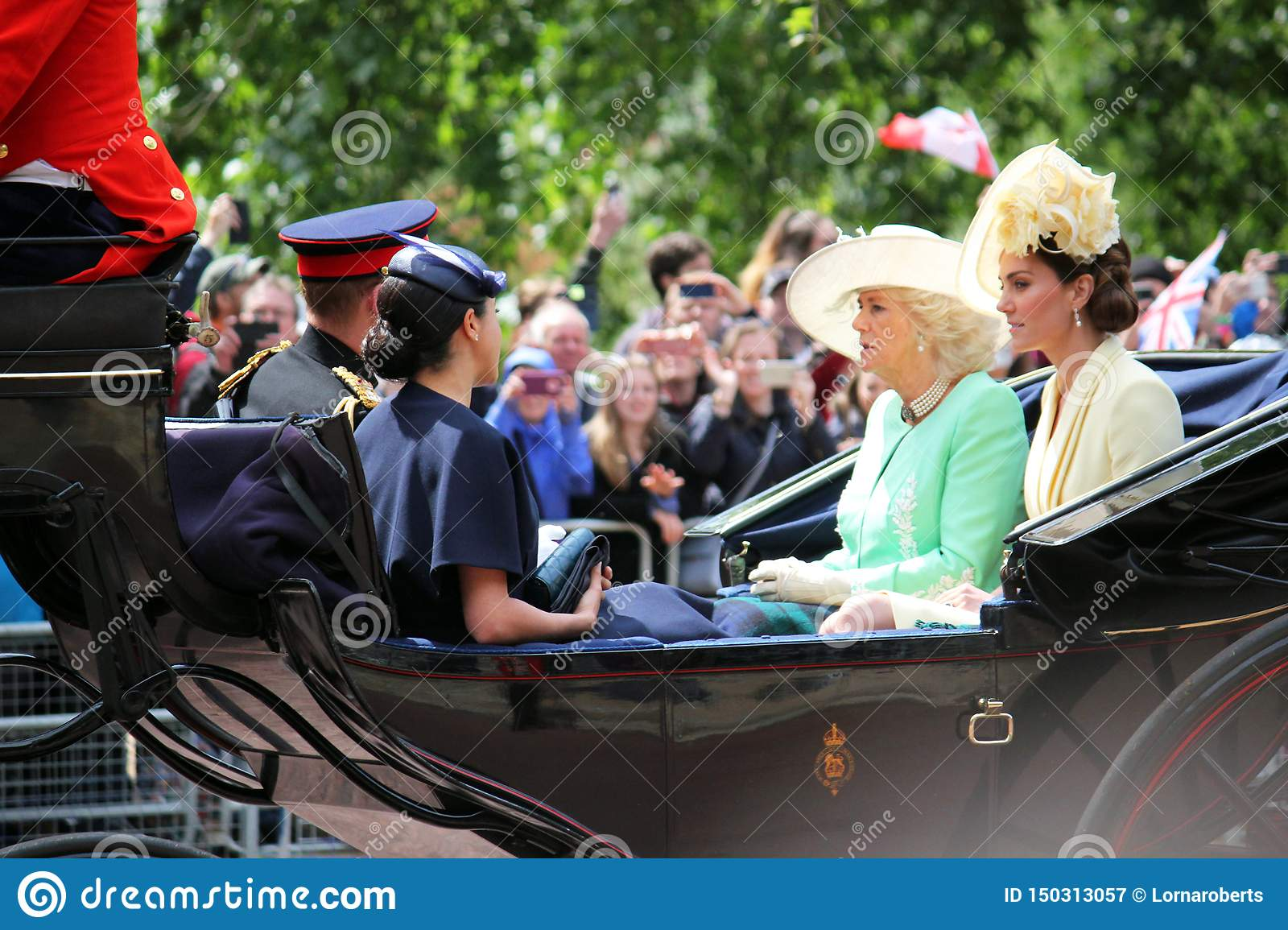 Meghan Markle, photo courante de Londres R-U le 8 juin 2019 - Meghan Markle Kate Middleton Prince Harry Camilla Parker Bowles