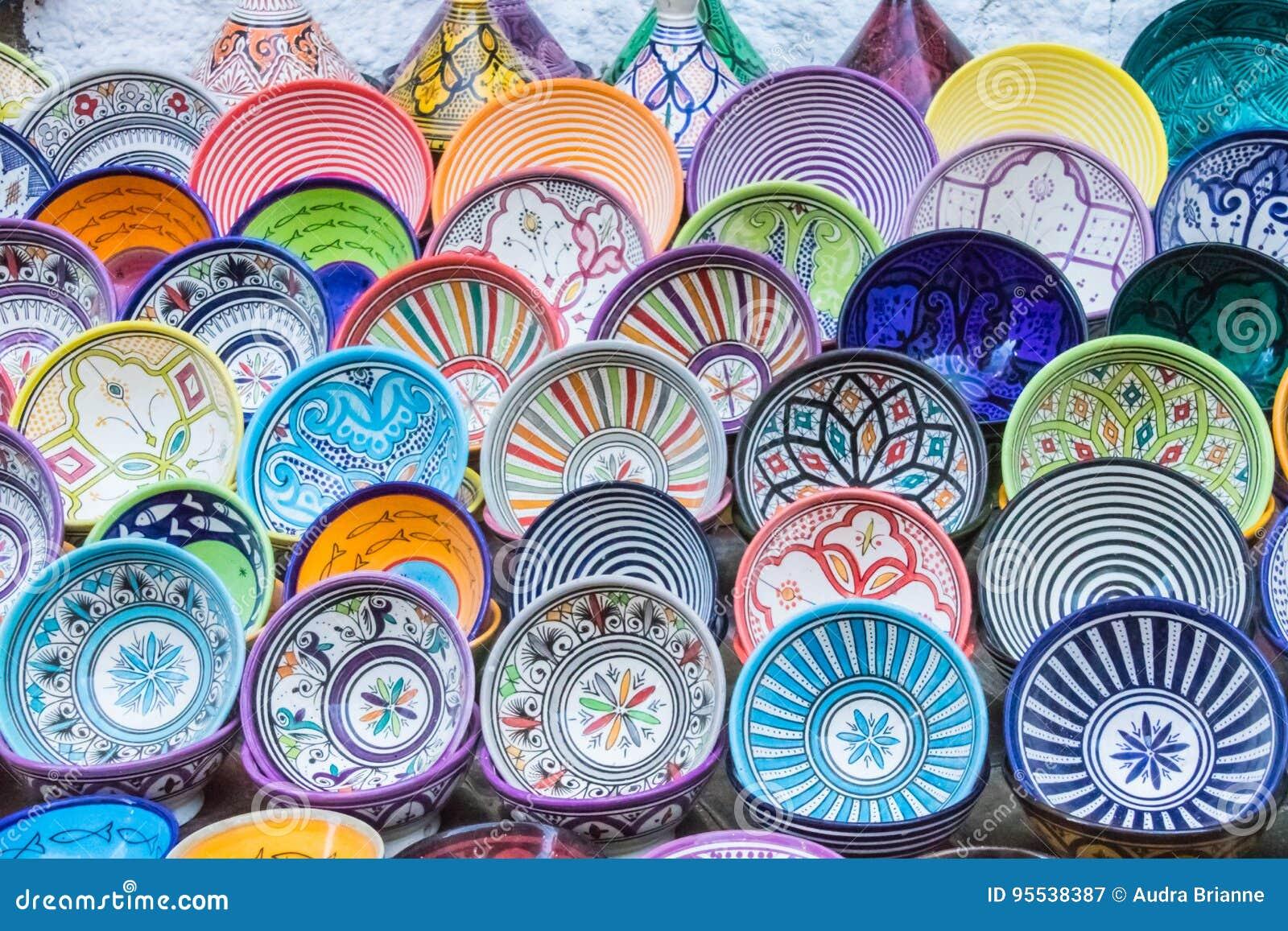 Mehrfachverbindungsstellen Kopierte Und Farbige Teller Stockbild