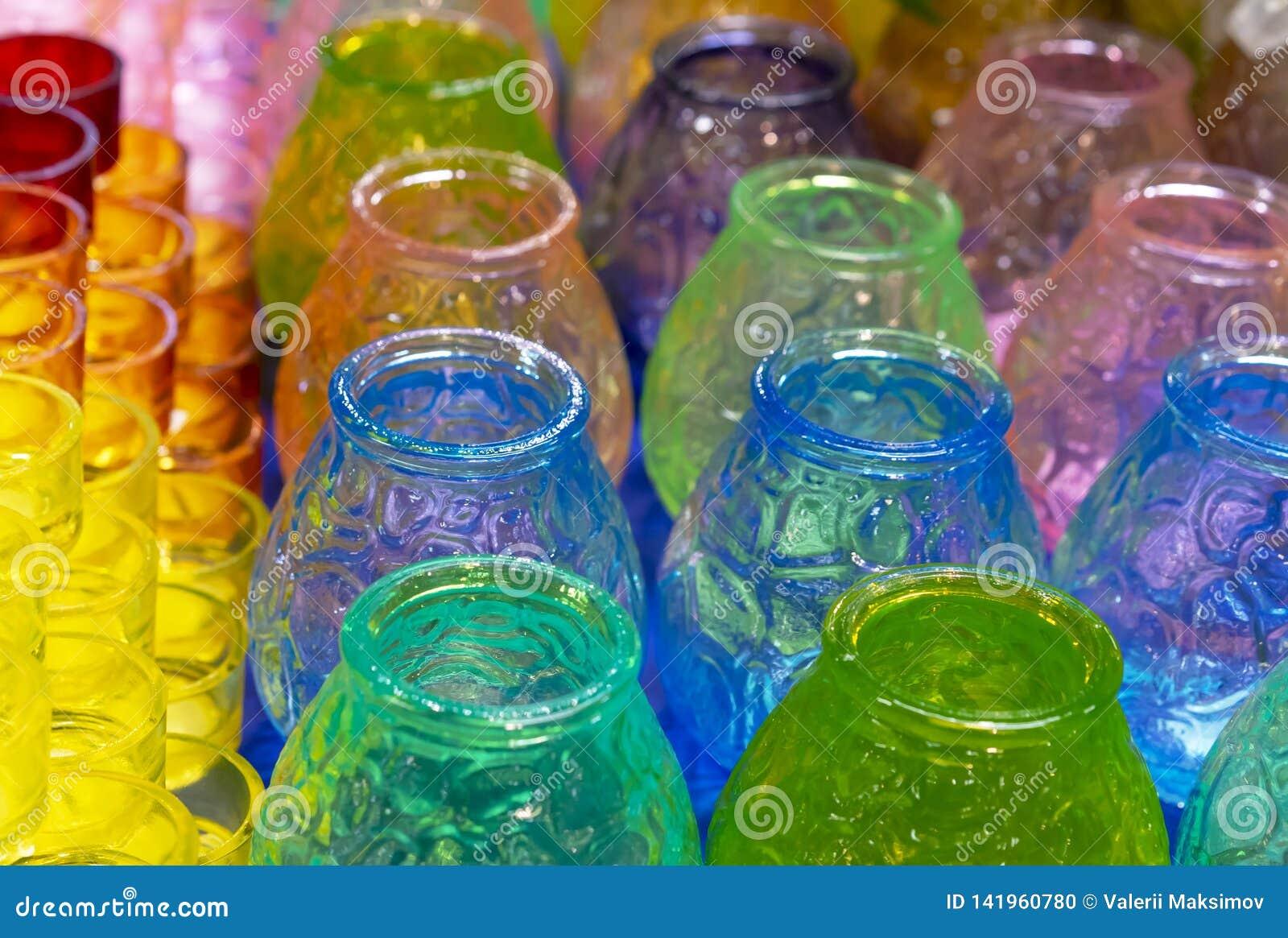 Mehrfarbige Glaskerzenhalter für Weihnachtskerzen