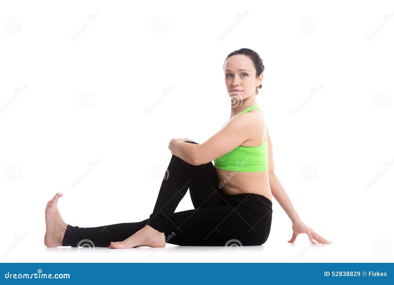 Meia pose espinal da ioga da torção
