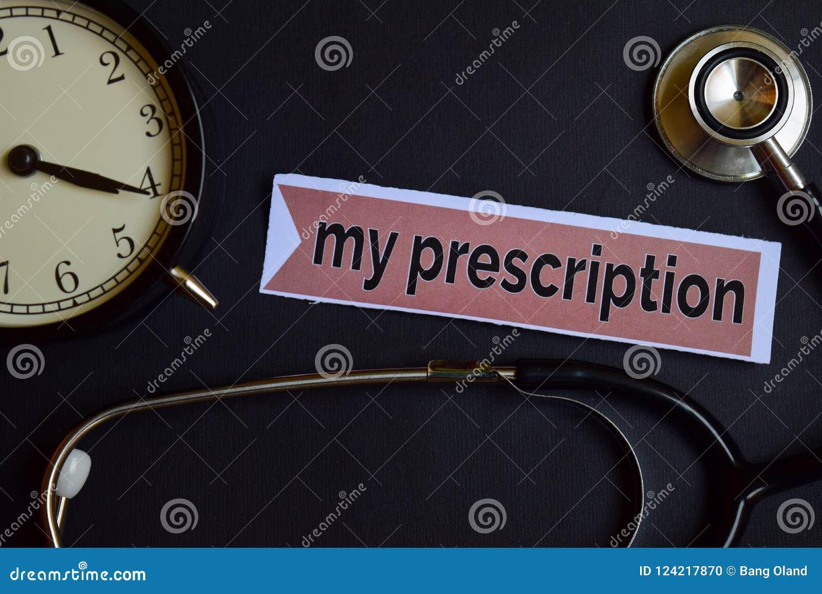 Mein Presctiption auf dem Druckpapier mit Gesundheitswesen-Konzept-Inspiration Wecker, schwarzes Stethoskop