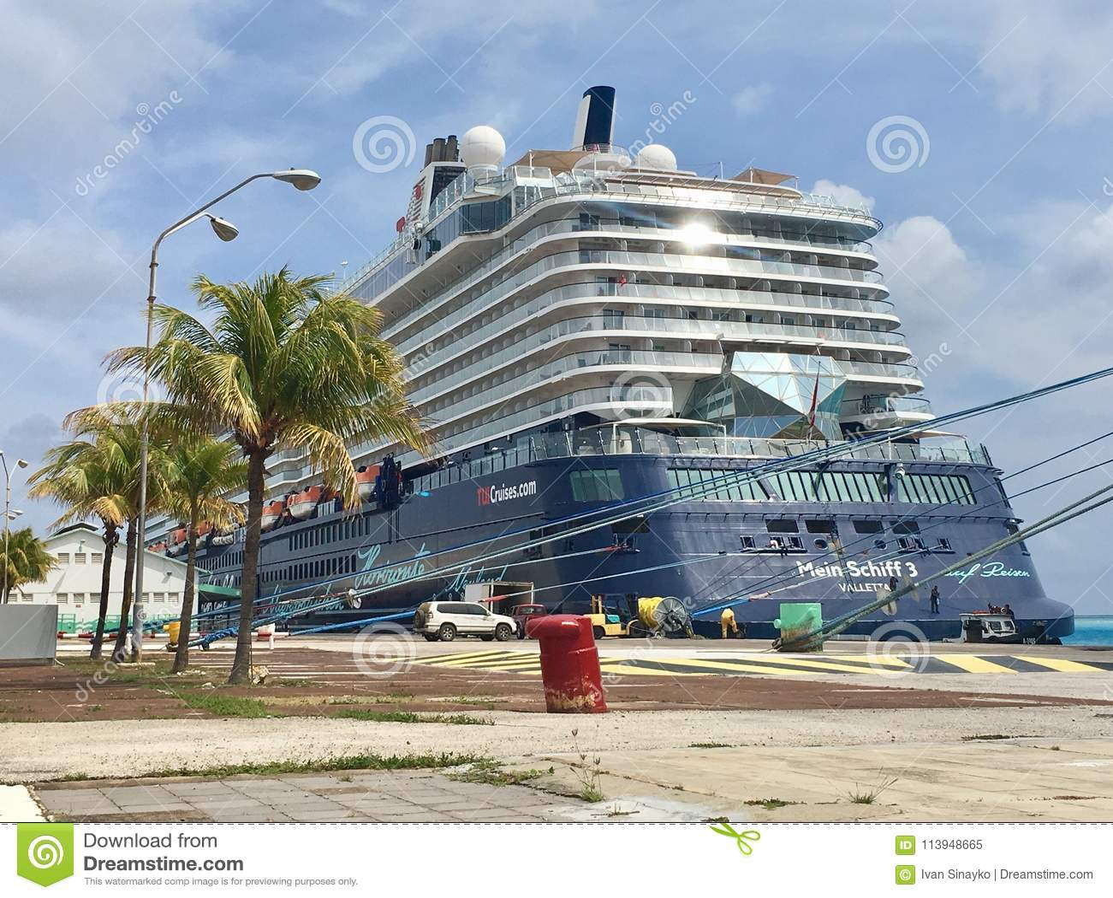 Cruises To Aruba >> Mein Schiff 3 Tui Cruises Editorial Image Image Of Crew 113948665