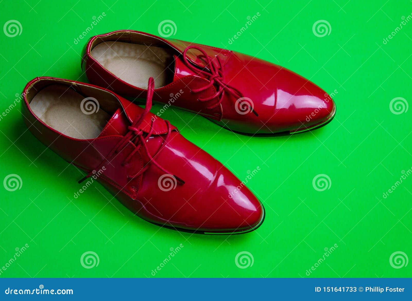 Meine eleganten roten Schuhe