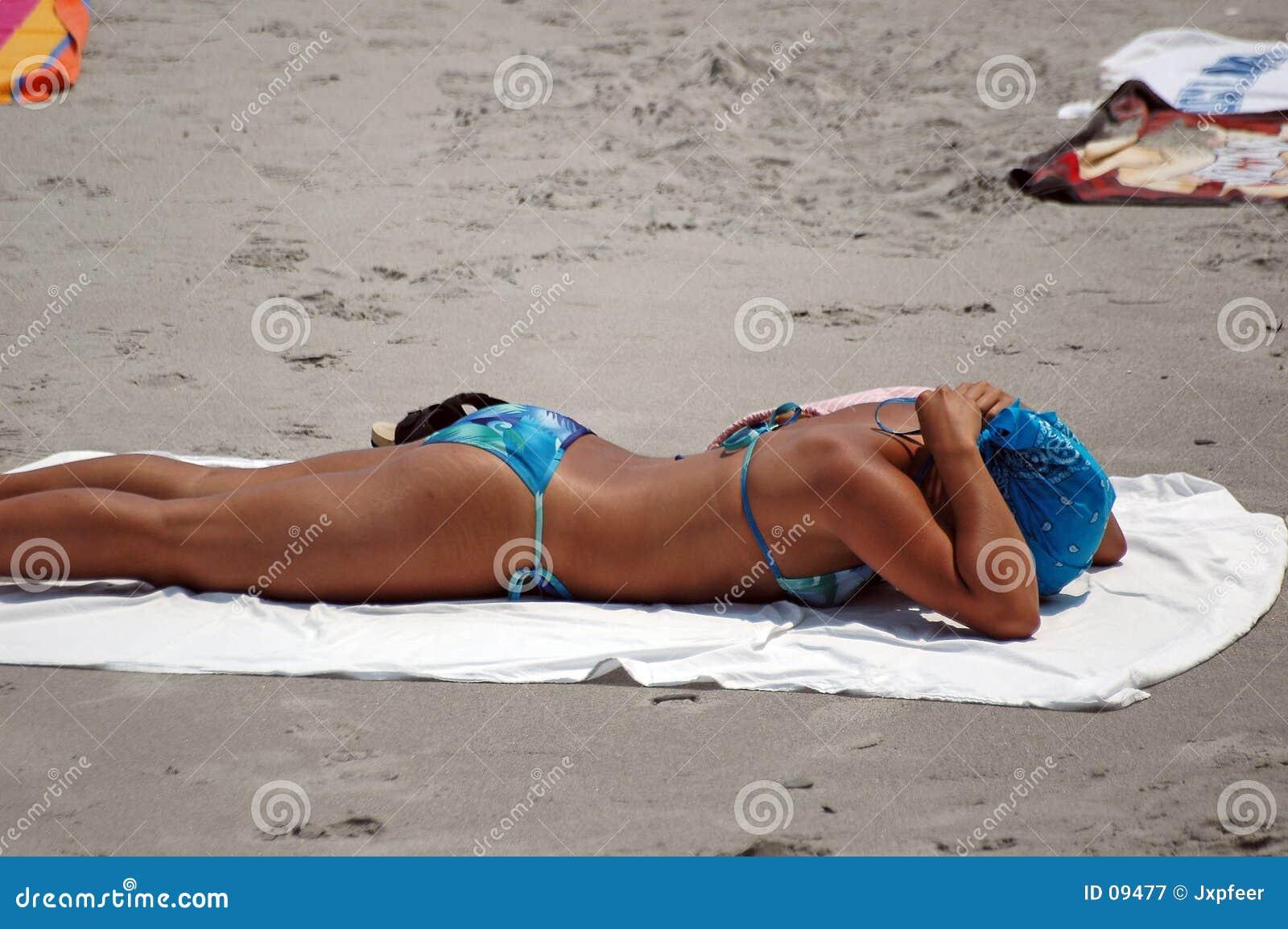 Meisje 2 van het strand
