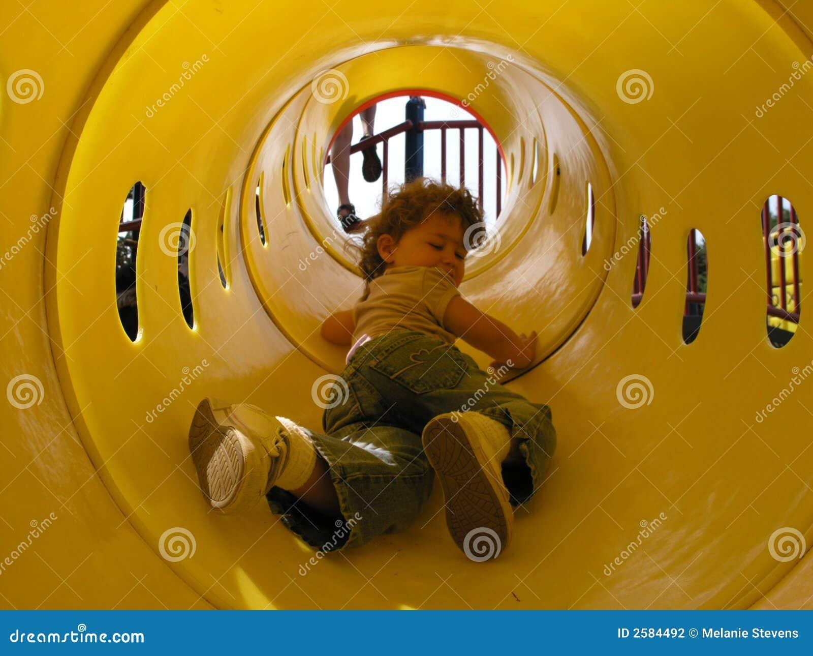 Meisje in de Tunnel van het Spel