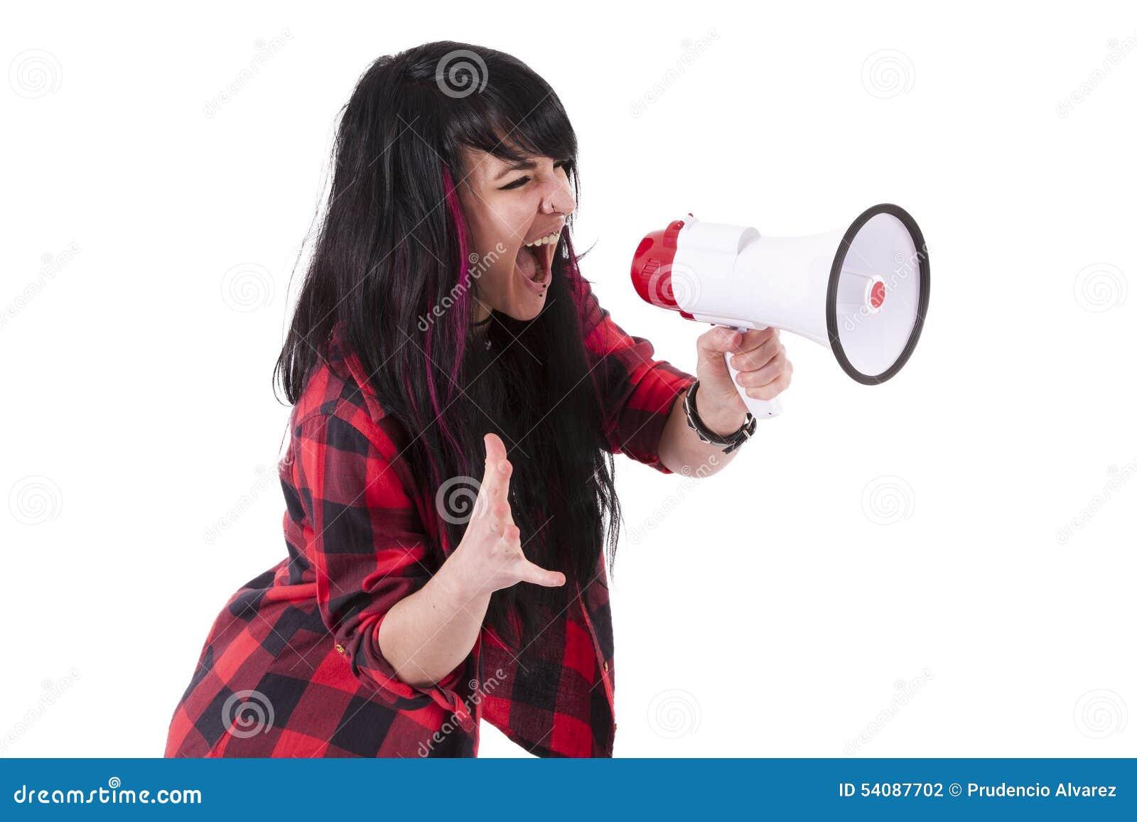 Meisje die met megafoon gillen