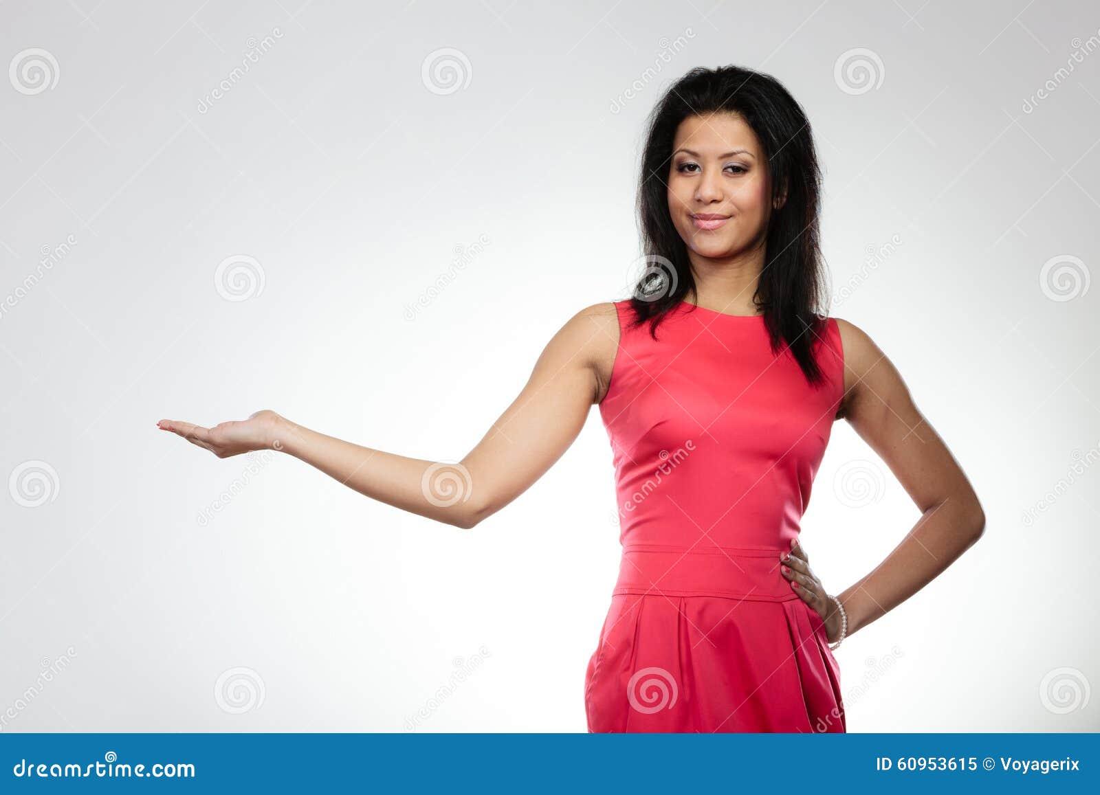 Meisje gemengde race die open palm houden stock foto afbeelding 60953615 - Foto tiener ruimte meisje ...