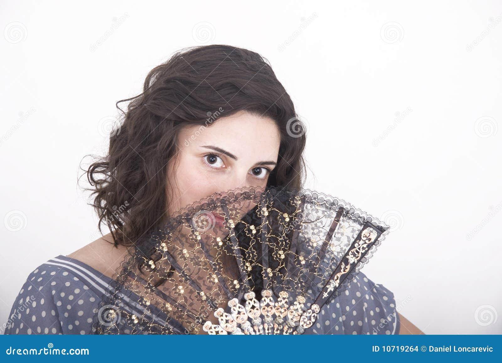 Meisje met een document ventilator