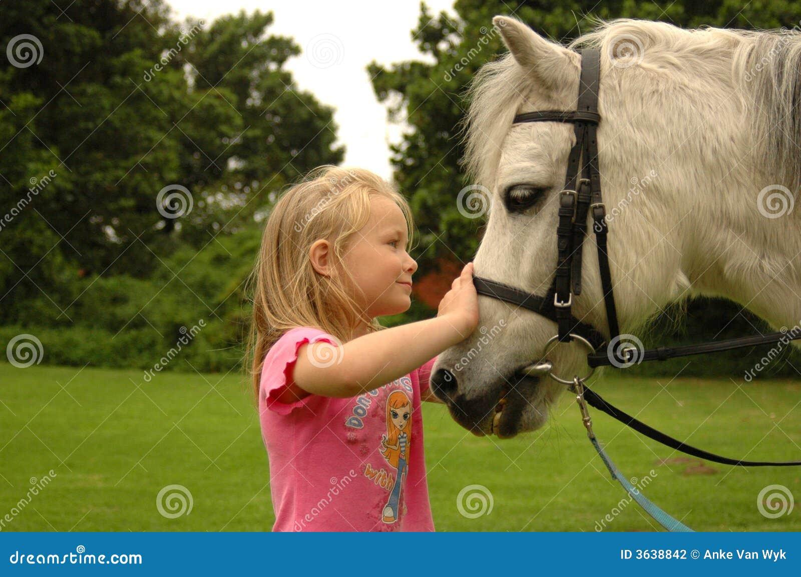 Meisje met poney