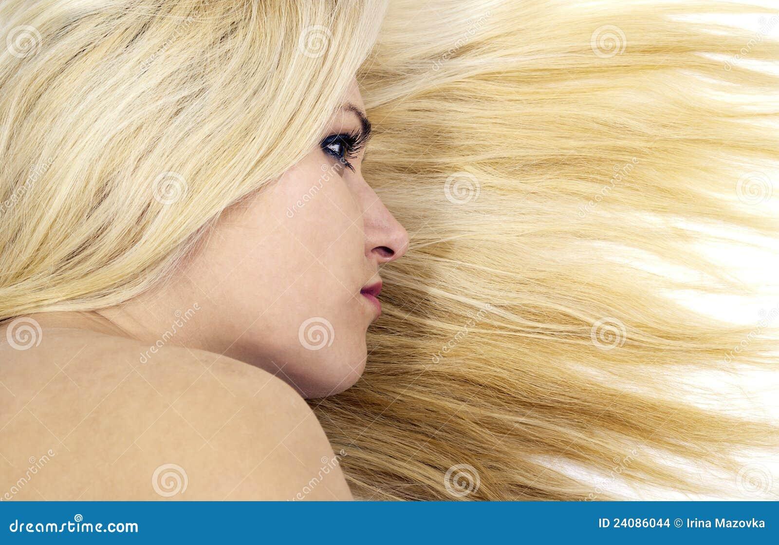 Meisje op de achtergrond van het haar