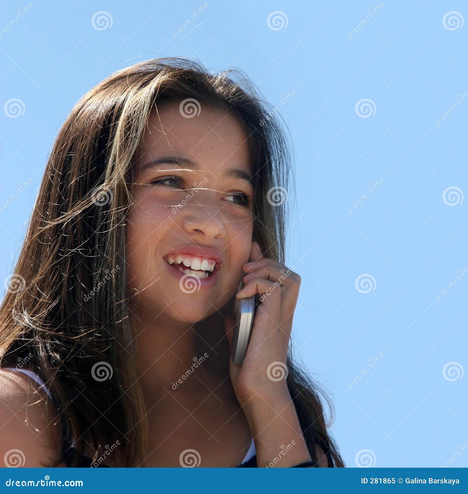 Meisje op de telefoon