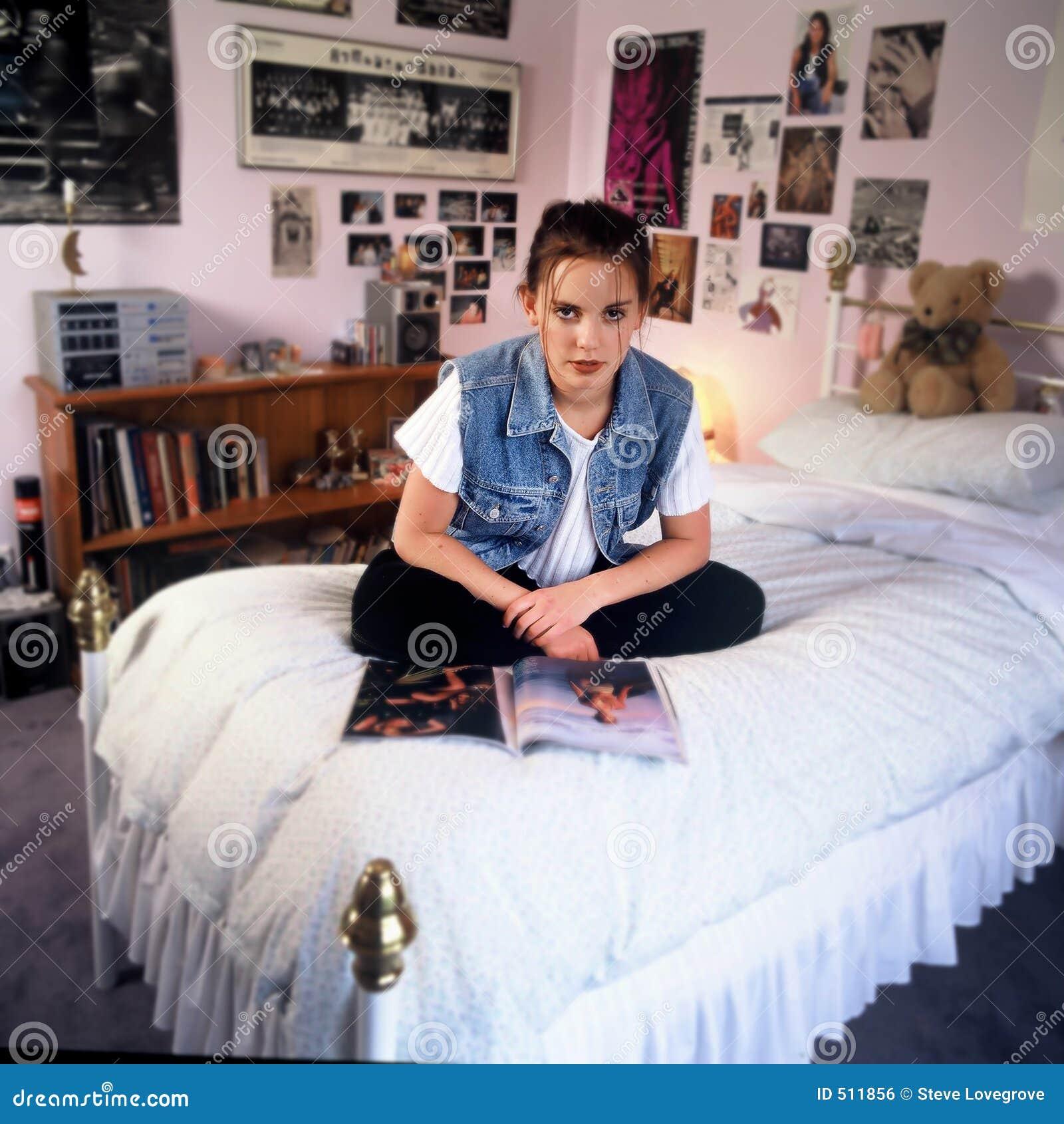 Meisje in slaapkamer royalty vrije stock afbeelding beeld 511856 - Slaapkamer tiener meisje ...