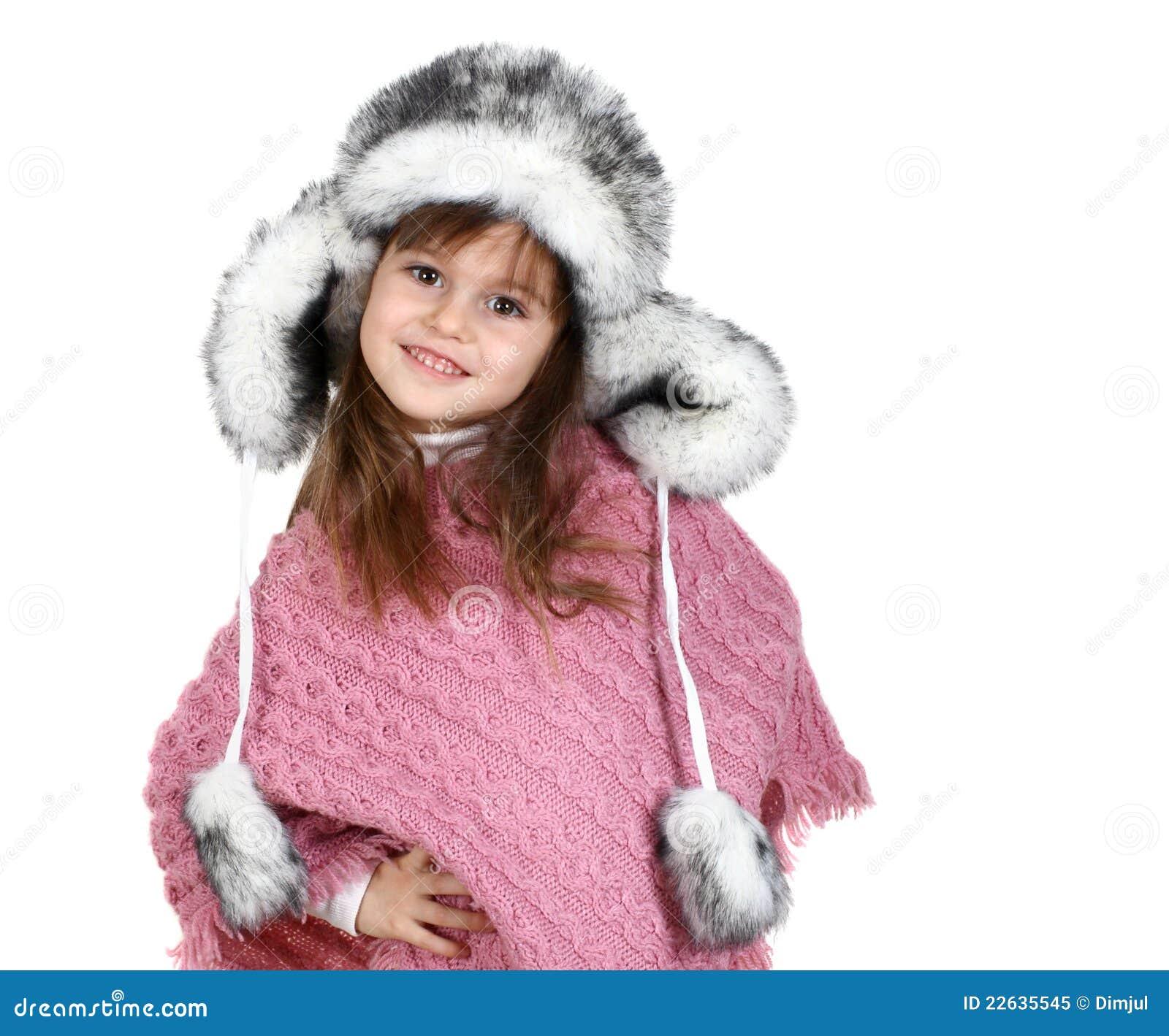 Meisje in warme hoed