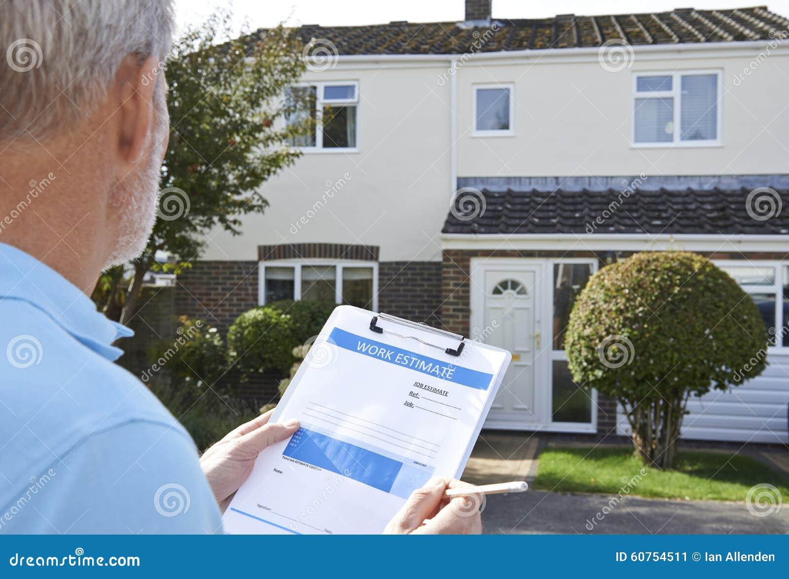 Mejoras para el hogar del exterior de Preparing Estimate For del constructor