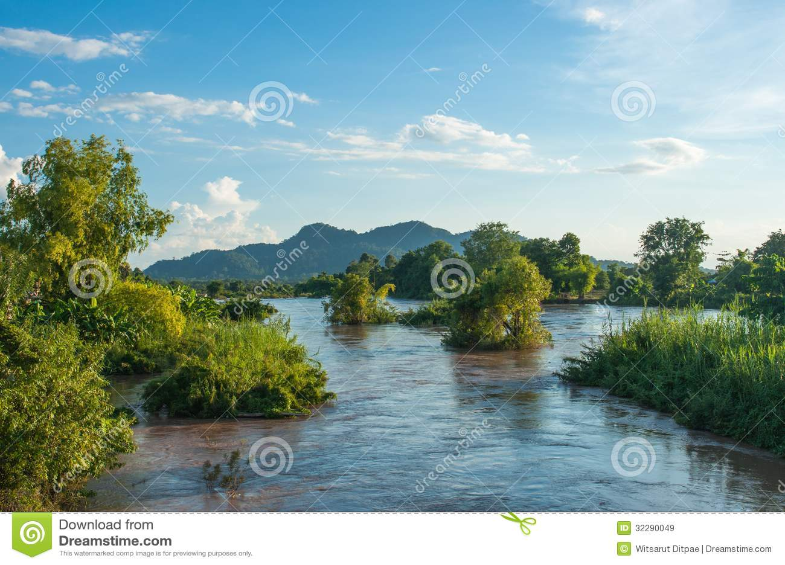 Mekhong River and Many Island at Don Khone