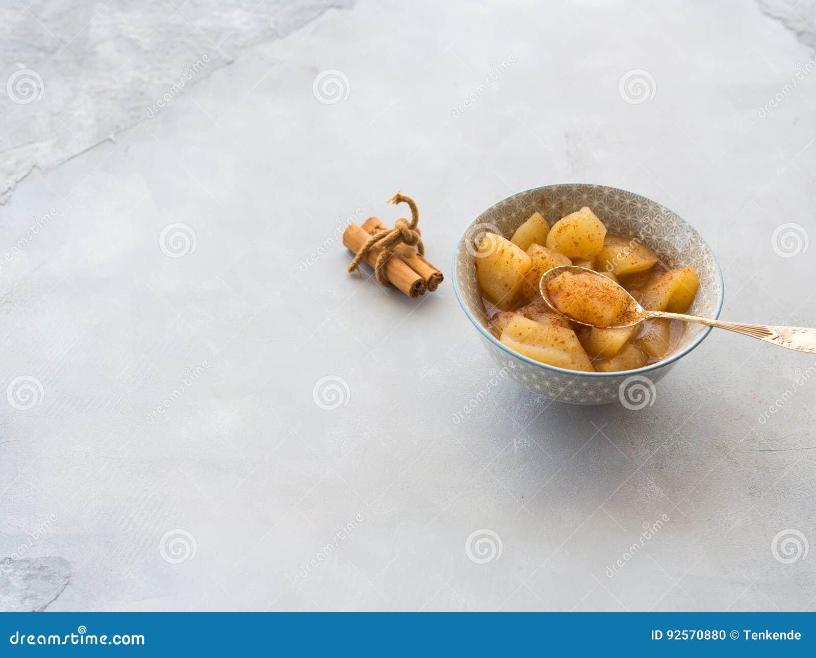 Mela cotta con cannella