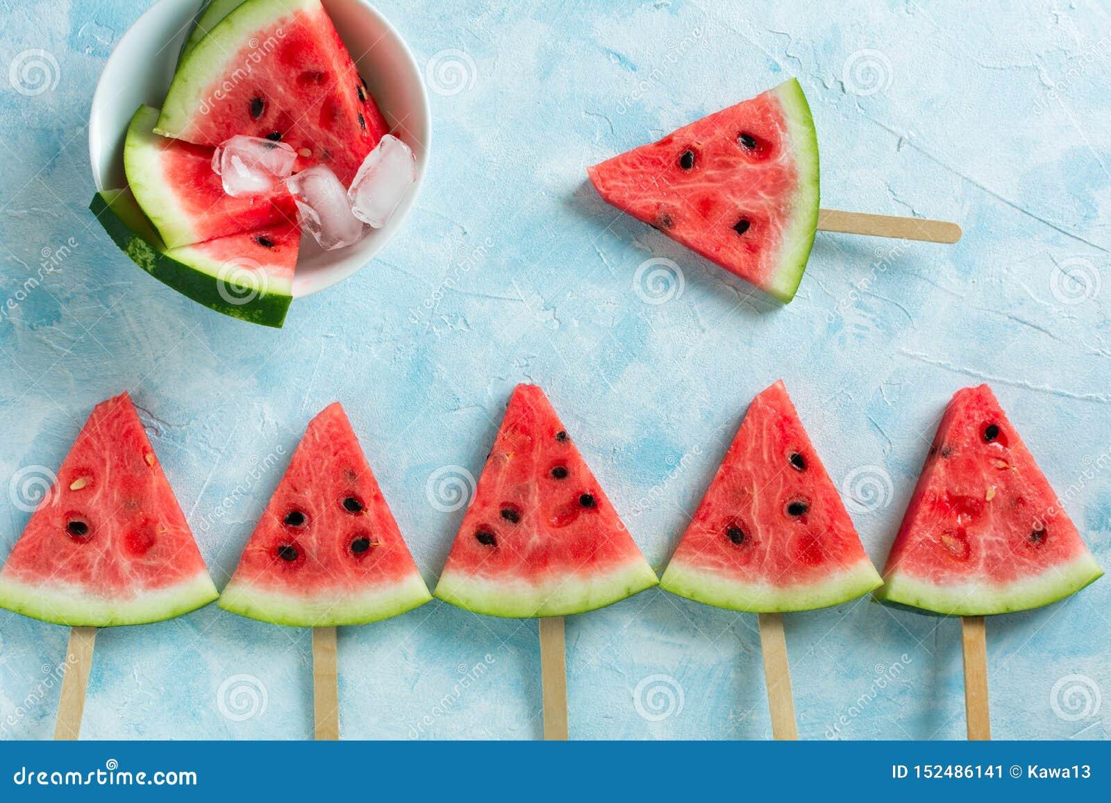 Melancia cortada do gelado do fruto