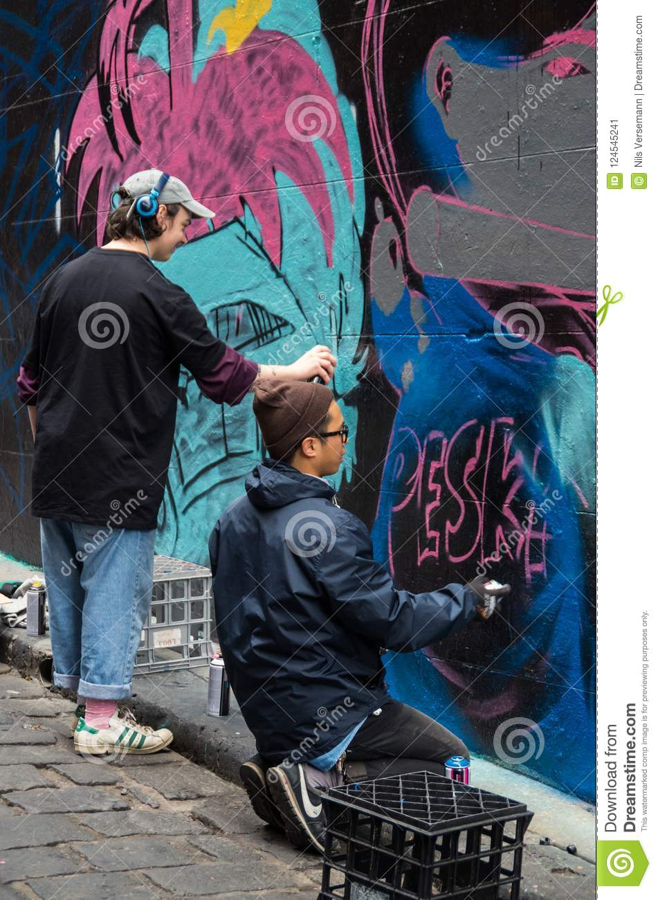 Melbourne street artists in hosier lane a venue for legal street art