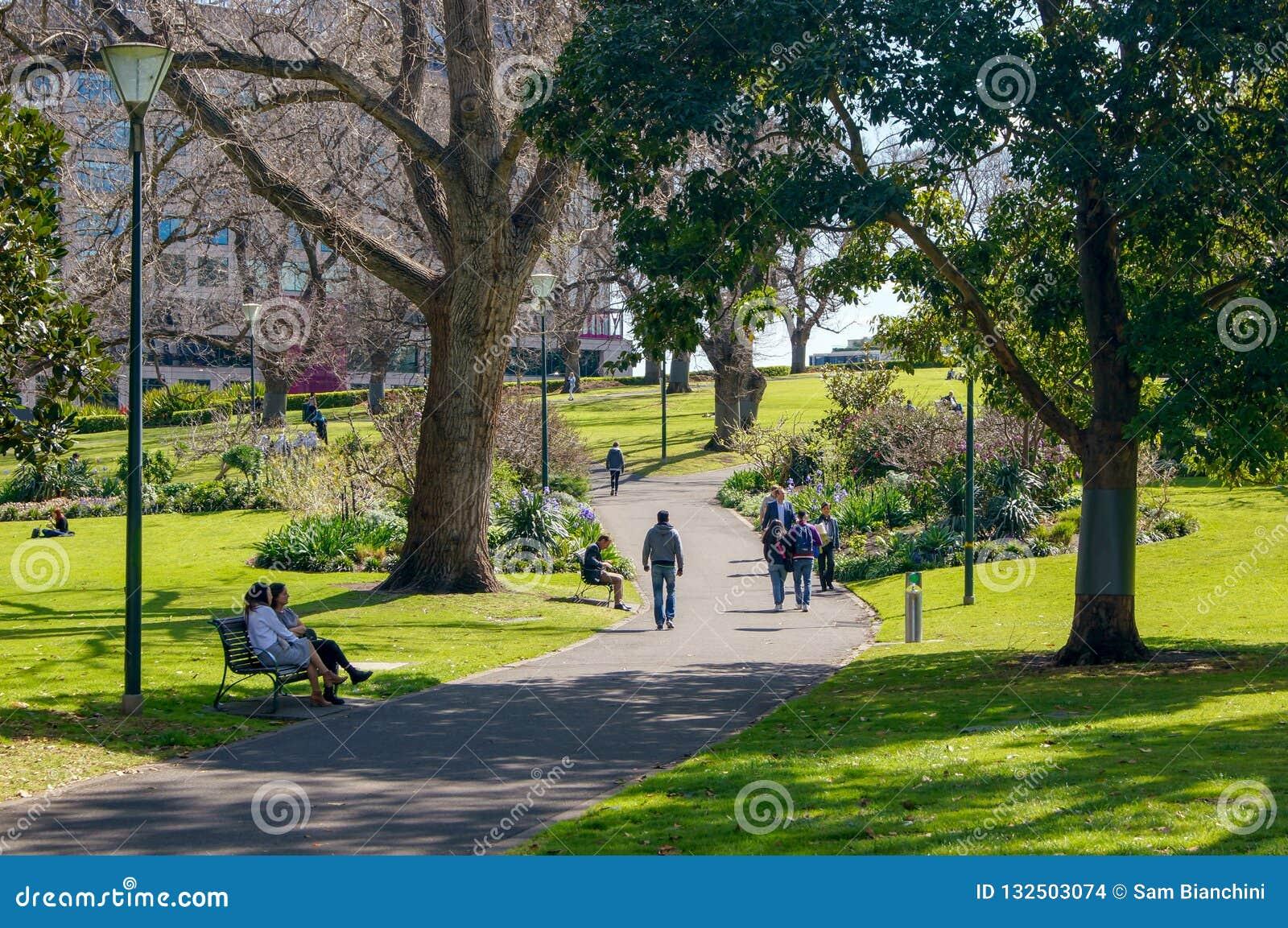 Melbourne, Australien - 21. September 2018: Öffentliches Leben in den Fahnenmast-Gärten
